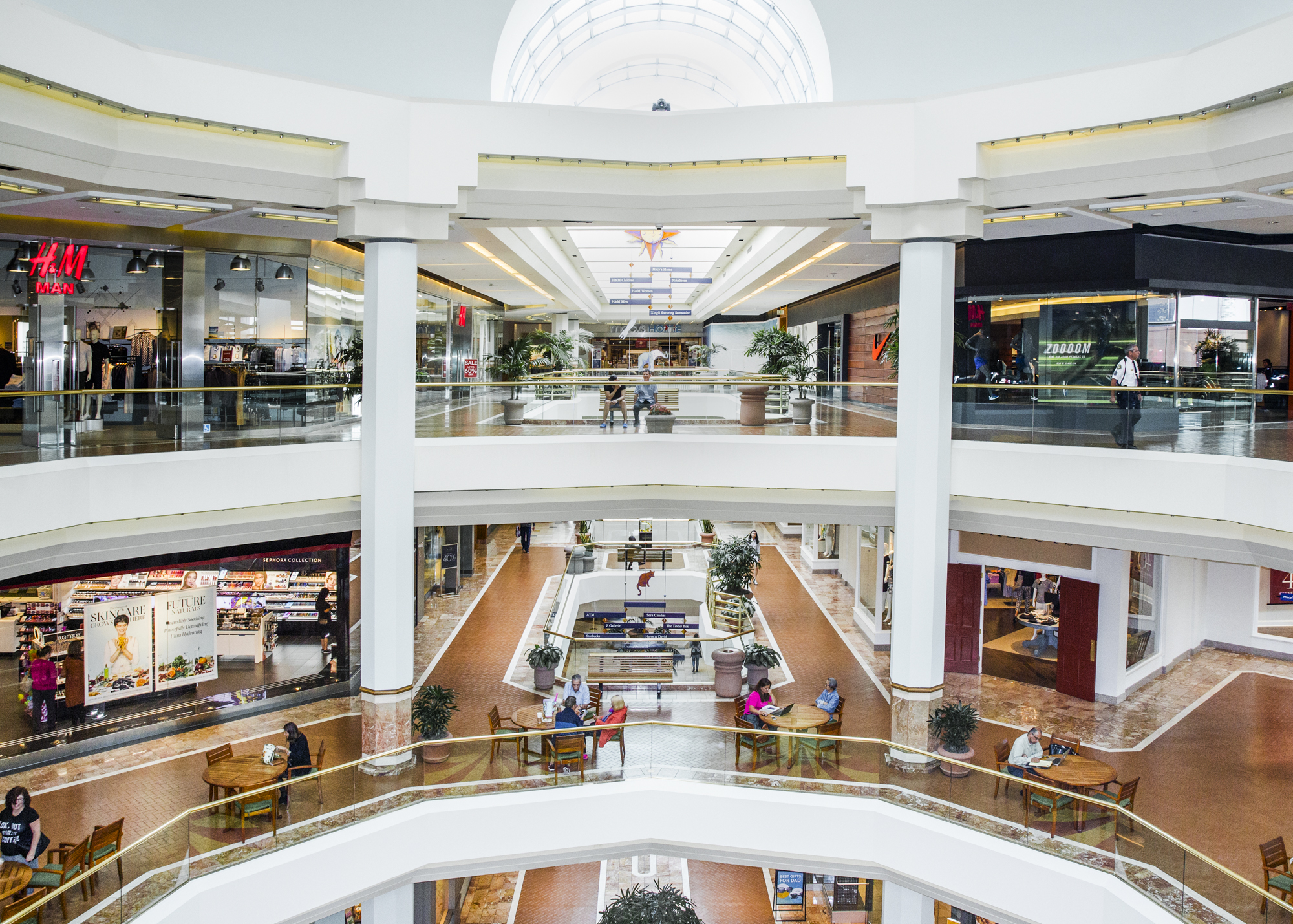 shopping mall the study of The challenge galleria shopping malls are part of the gtc group, one of the leading commercial real estate companies in central, eastern and southern europe.