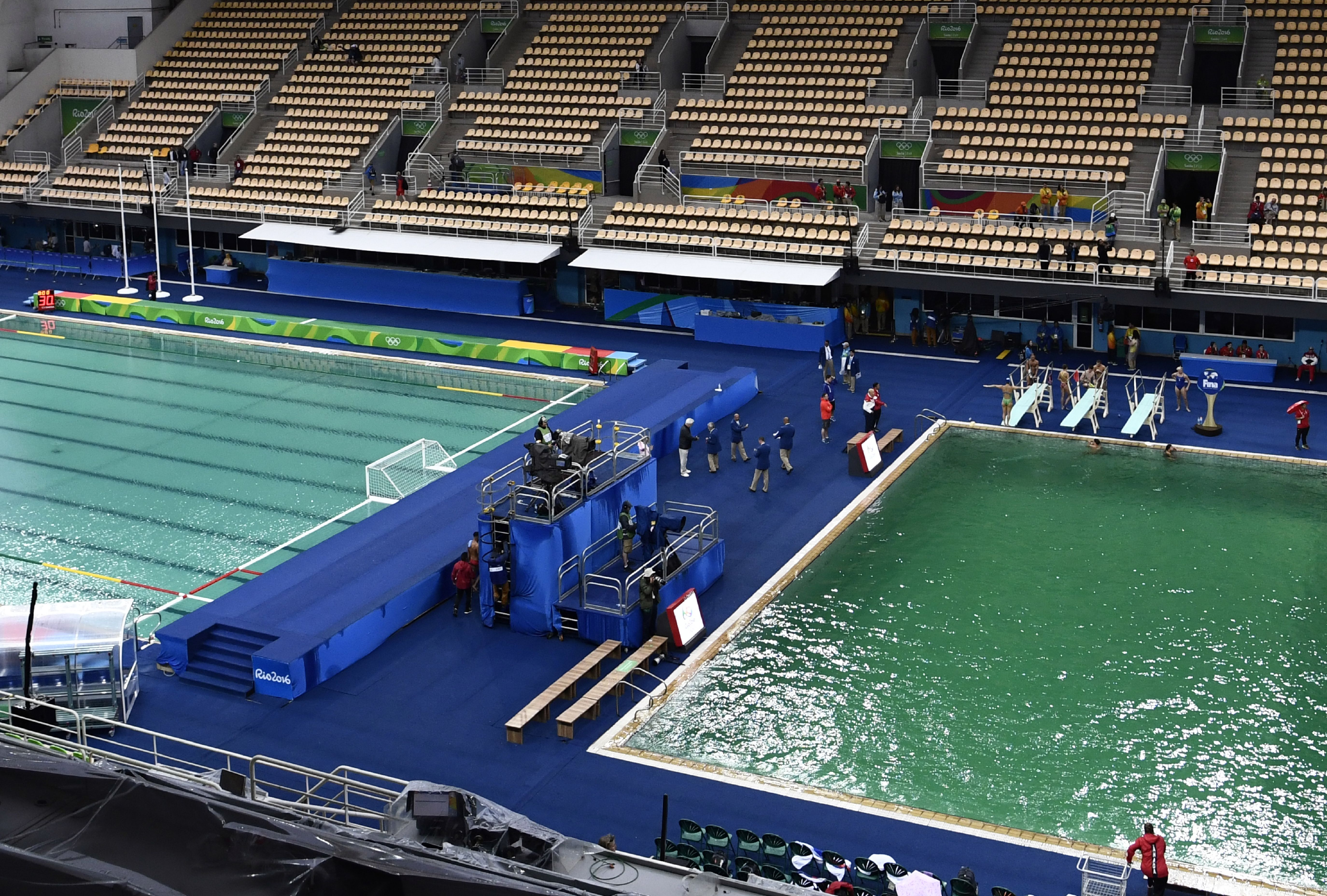 the diving pool at the olympics is closed after turning green heres what happened