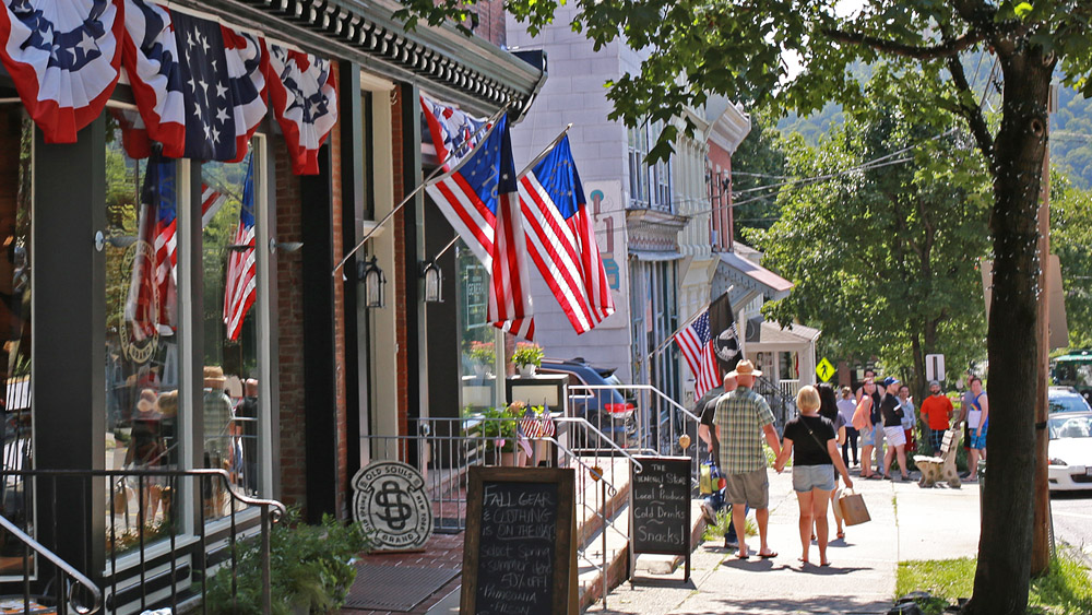 The best small towns to visit across america curbed for Best small towns in america to live