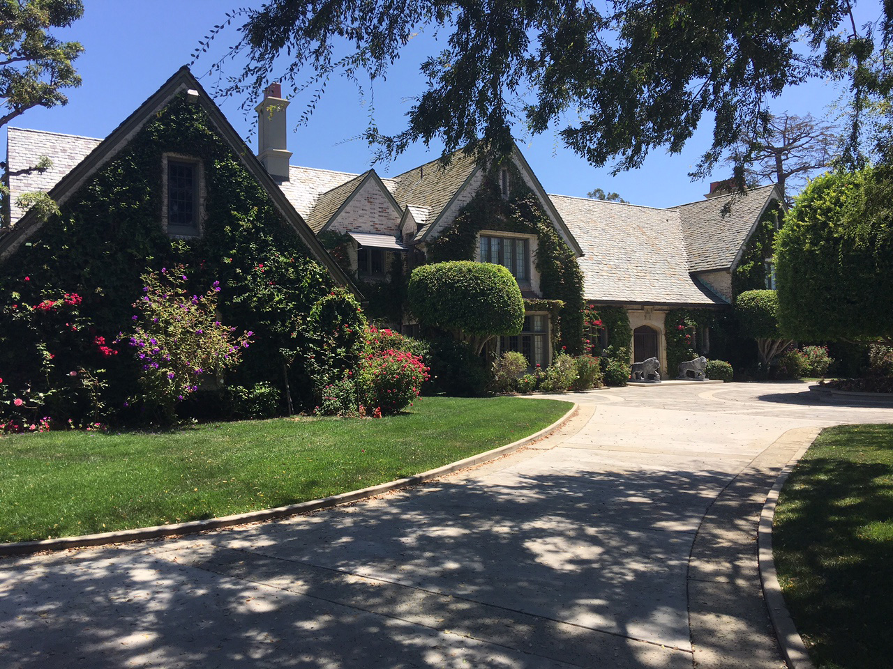 Playboy Mansion Sells For 100m To Owner Of The Mansion
