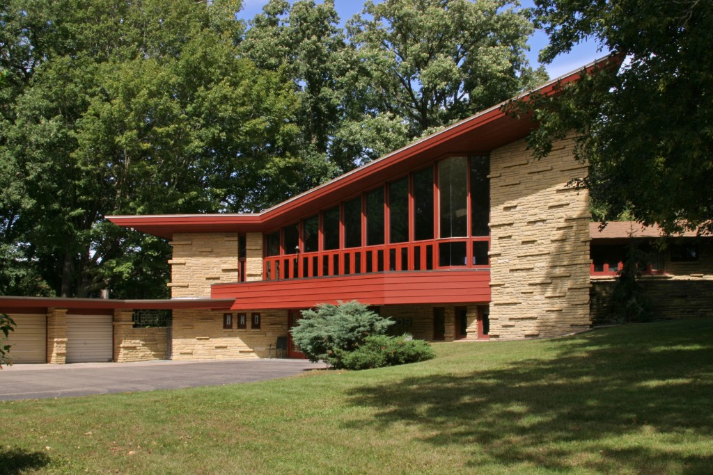 11 frank lloyd wright homes you can rent right now curbed. Black Bedroom Furniture Sets. Home Design Ideas