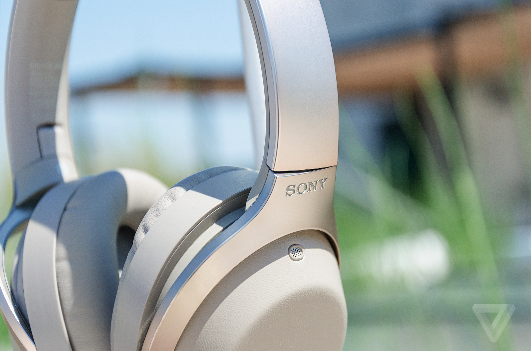sony 39 s new headphones cancel noise but not people 39 s voices the verge. Black Bedroom Furniture Sets. Home Design Ideas