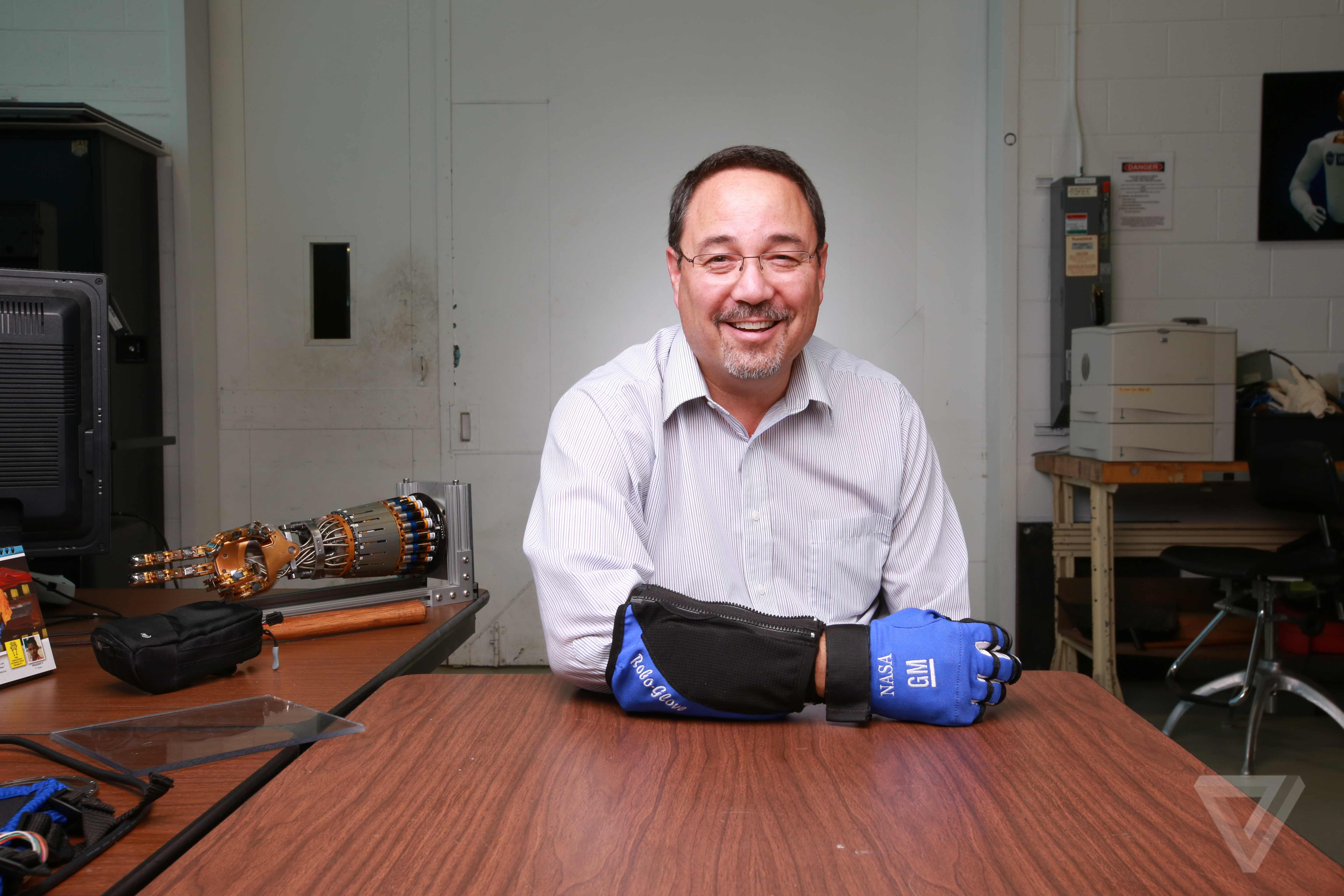 Shaking hands with GM and NASA's RoboGlove - The Verge