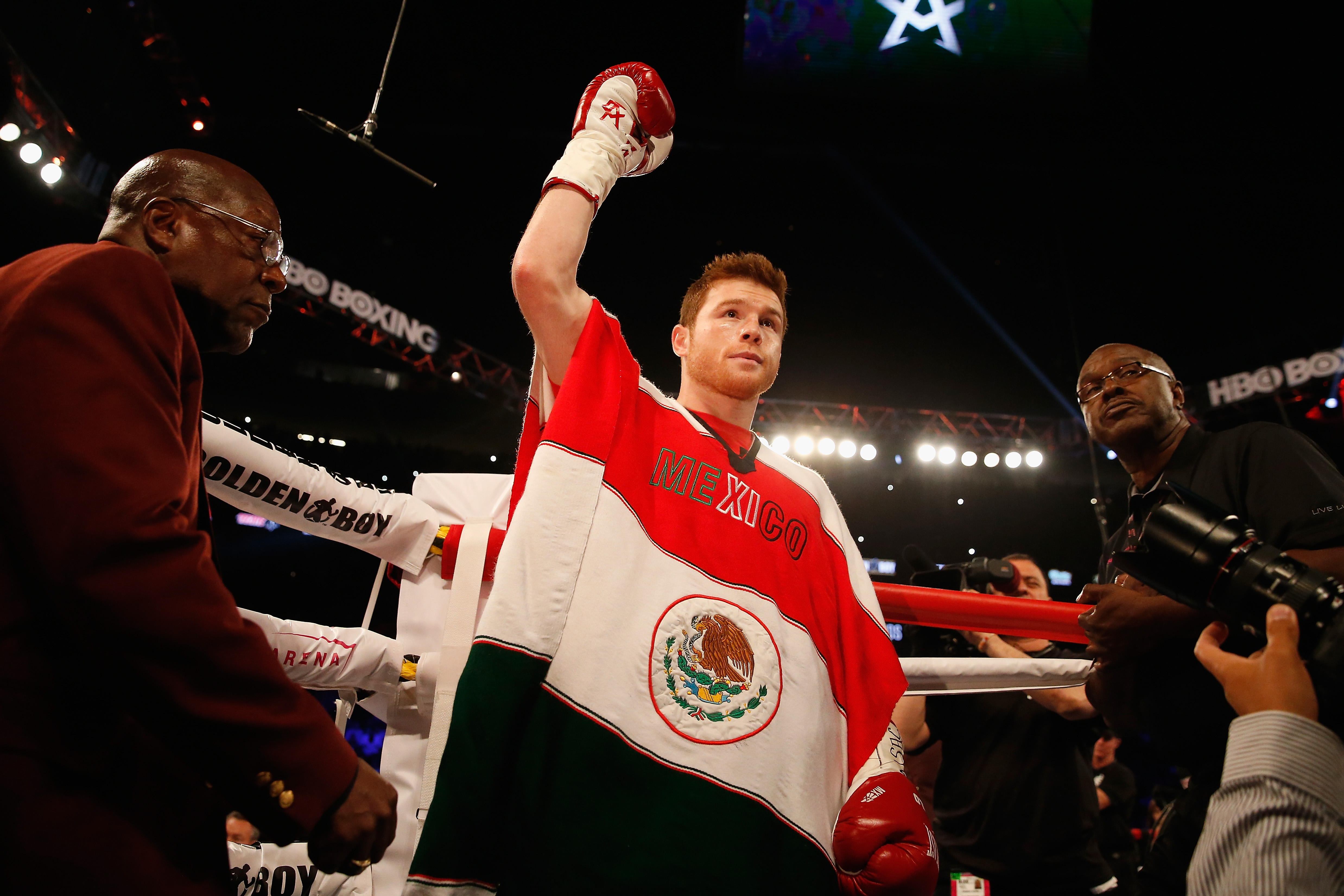 Tale Tape Ali Frazier Boxing Measurements additionally Nike Machomai Boxing Shoes Black Hi Cut together with Andrei Arlovski 270 likewise Mahmoud Hassan 95543 in addition Canelo Vs Smith Fight Preview And Analysis. on oscar de la hoya height