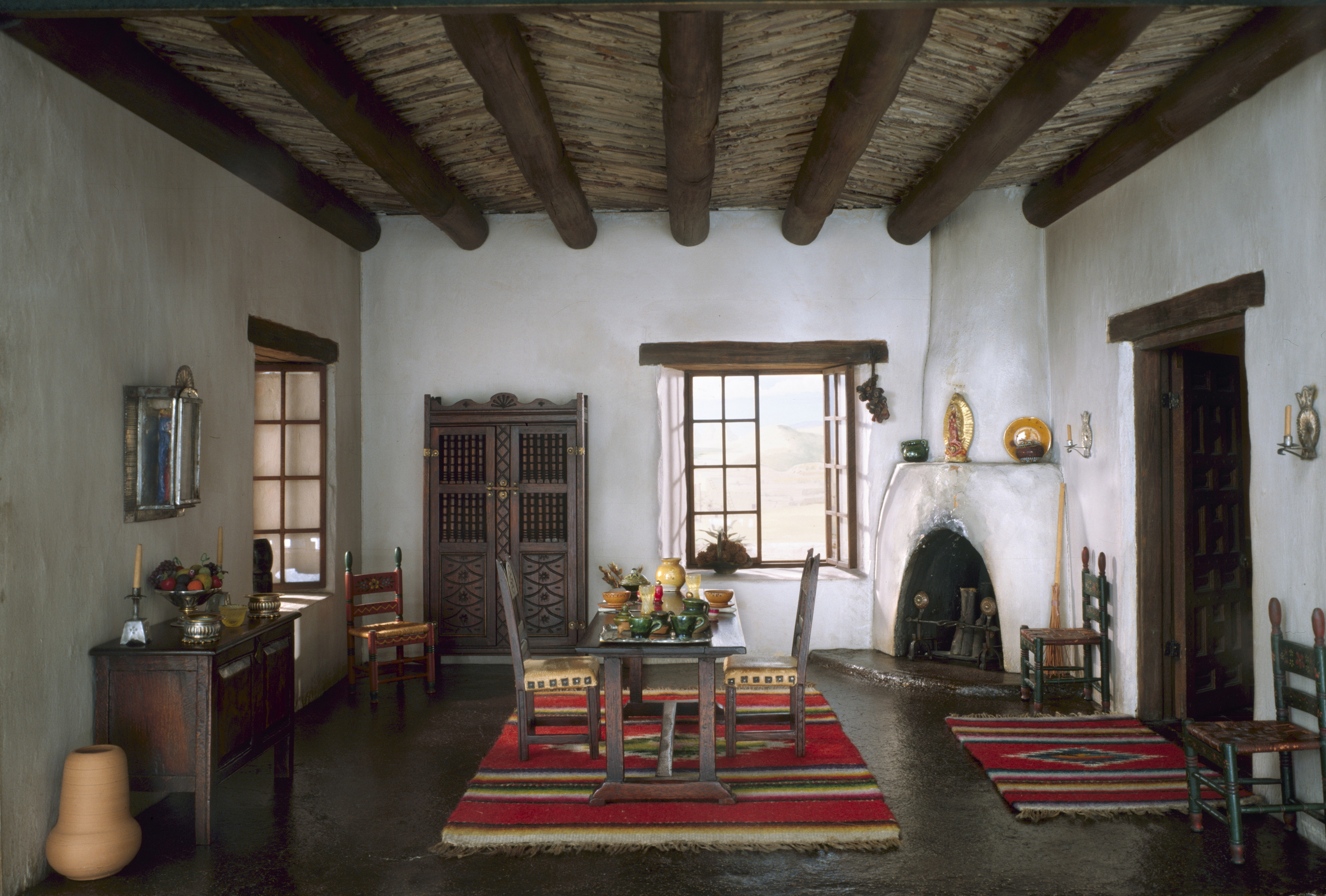 Tiny Rooms meticulous and miniature: the thorne rooms of the art institute