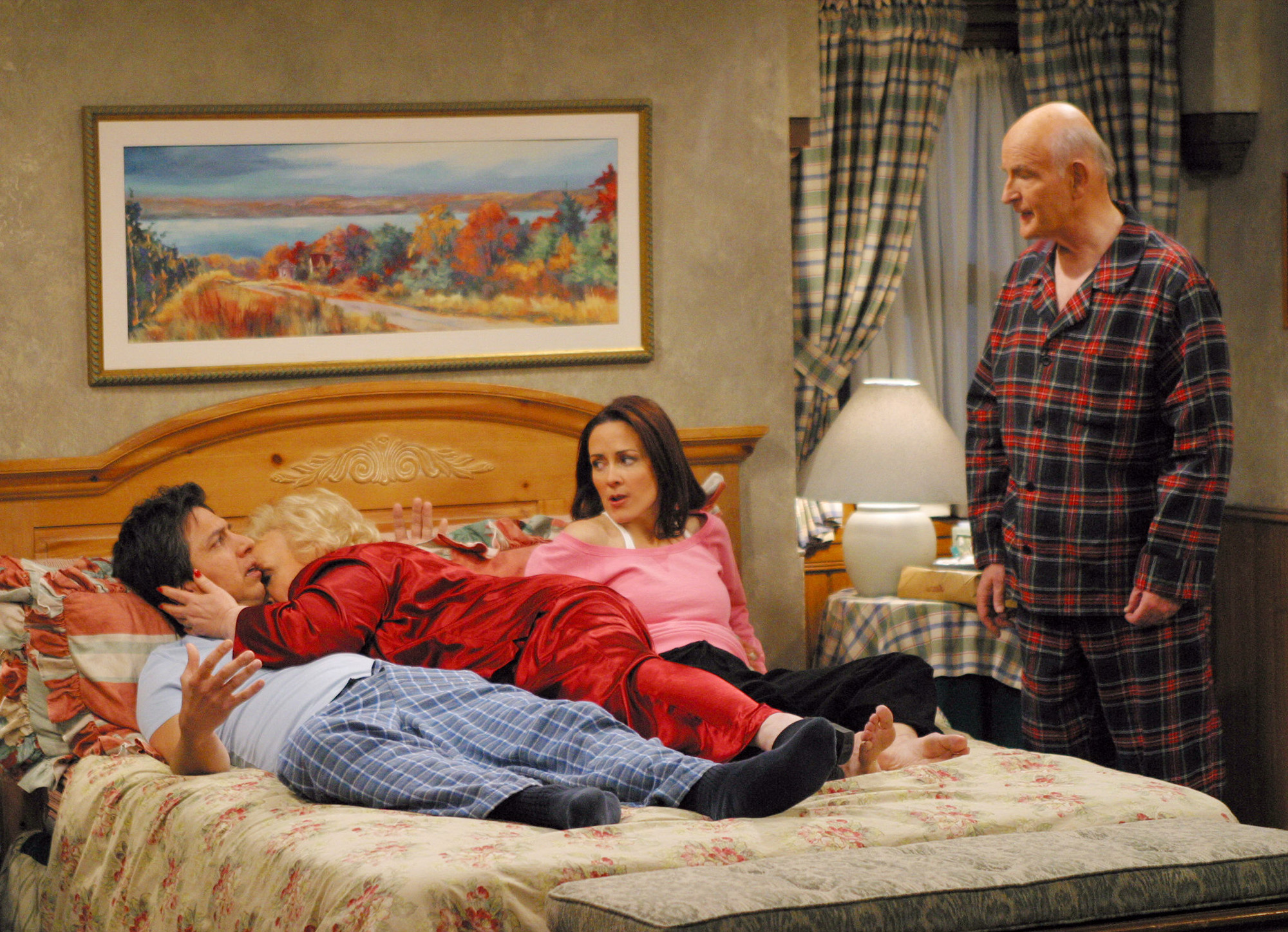 Everybody loves raymond deserves to be remembered as a tv - Everybody loves raymond bedroom set ...