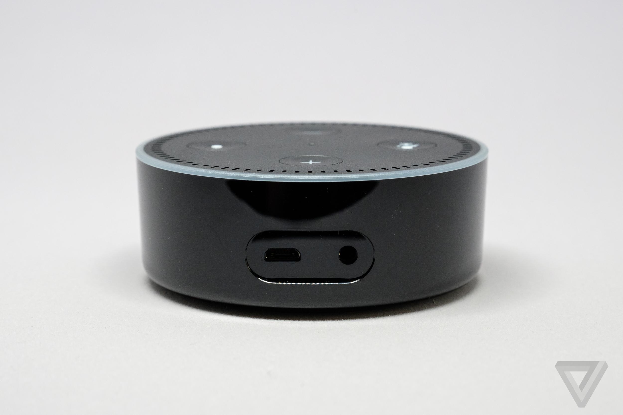 amazon u0027s simpler cheaper echo dot is still pretty great the verge