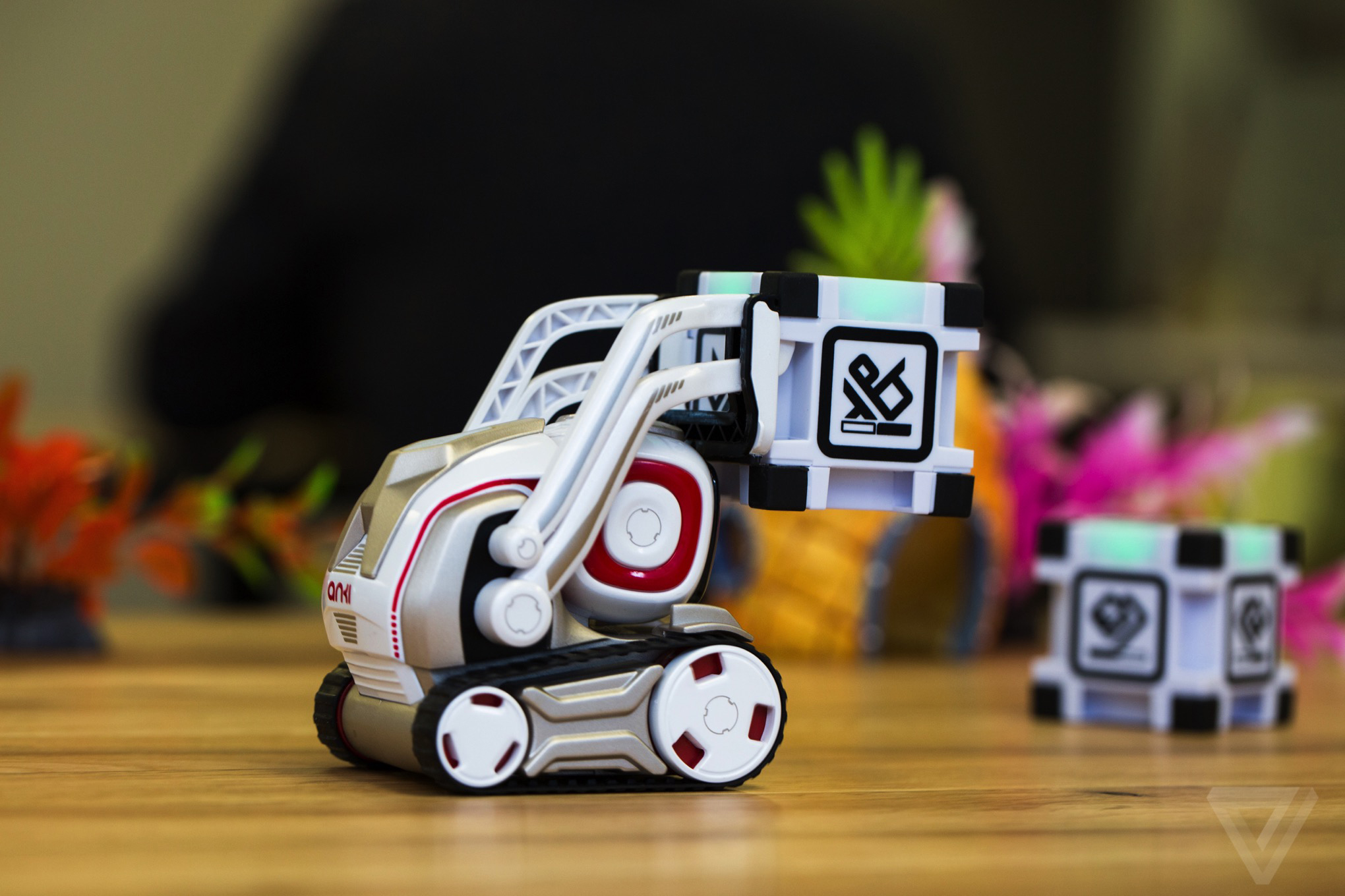 Anki s Cozmo robot is the new adorable face of artificial