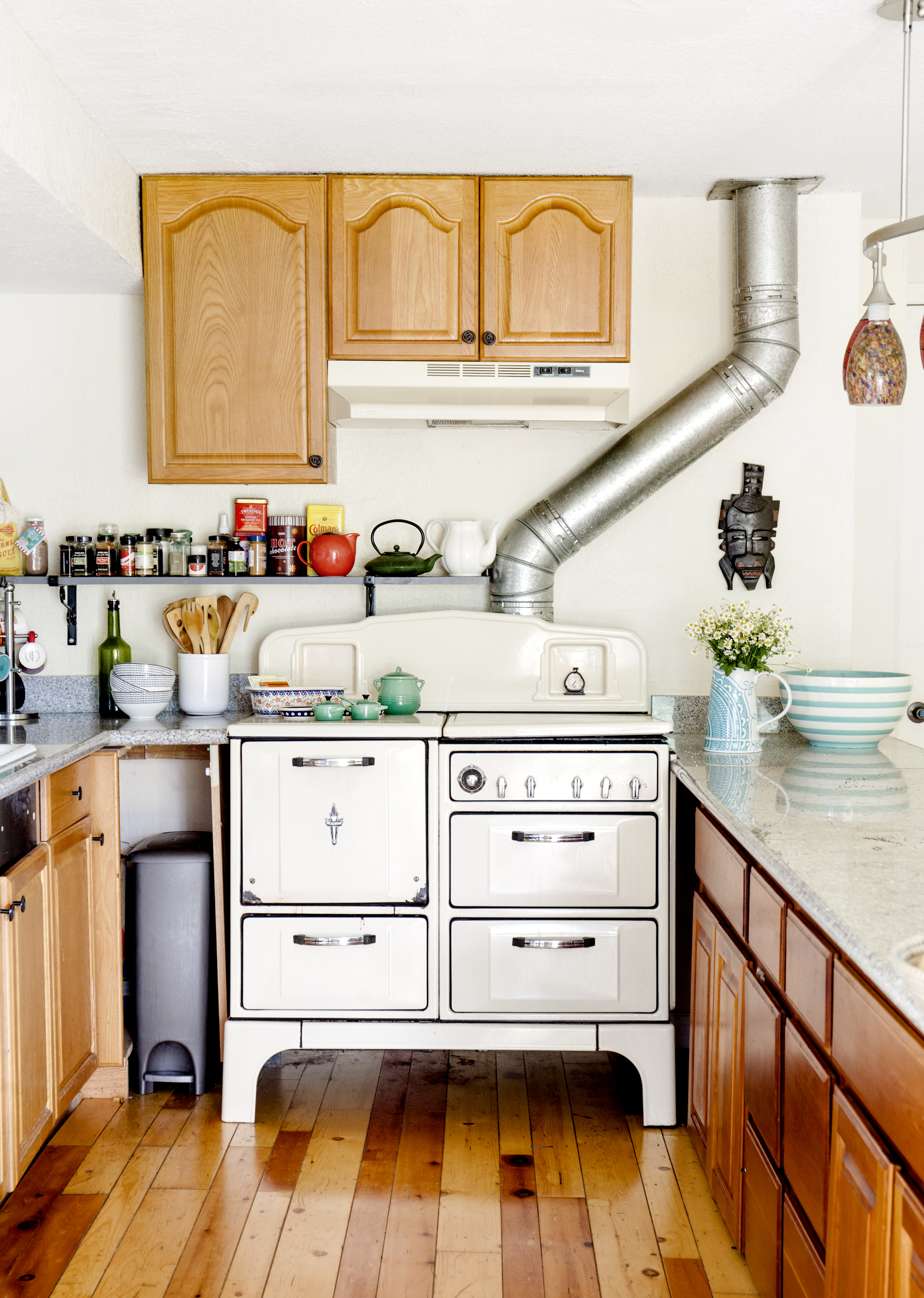8 easy ways to revamp your kitchen