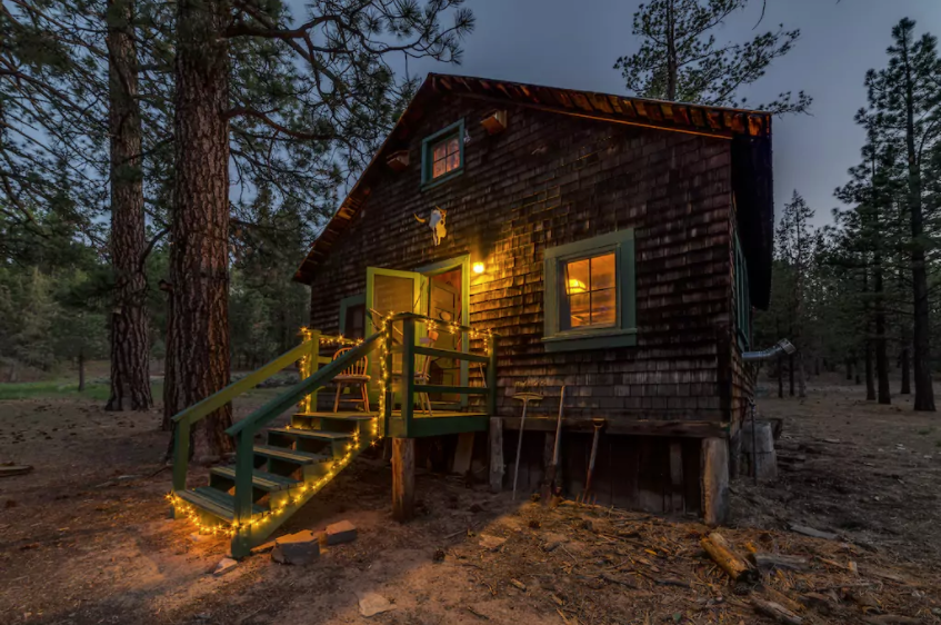 9 cozy cabins near la you can rent this winter curbed la for Cabins near los angeles