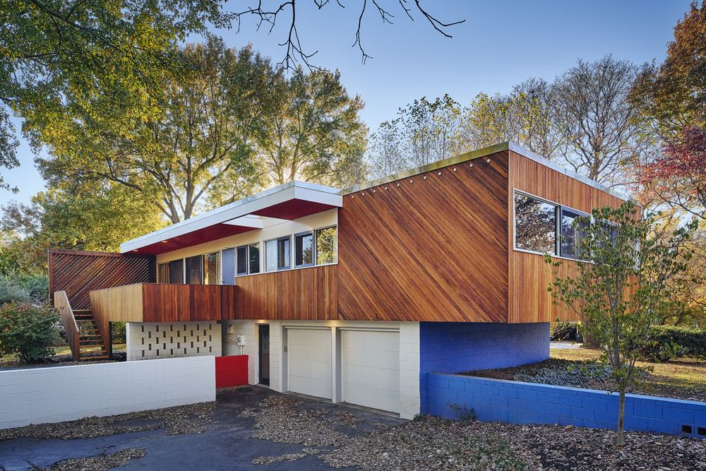 10 most stunning midcentury homes for sale in 2016 curbed for Mid century modern house