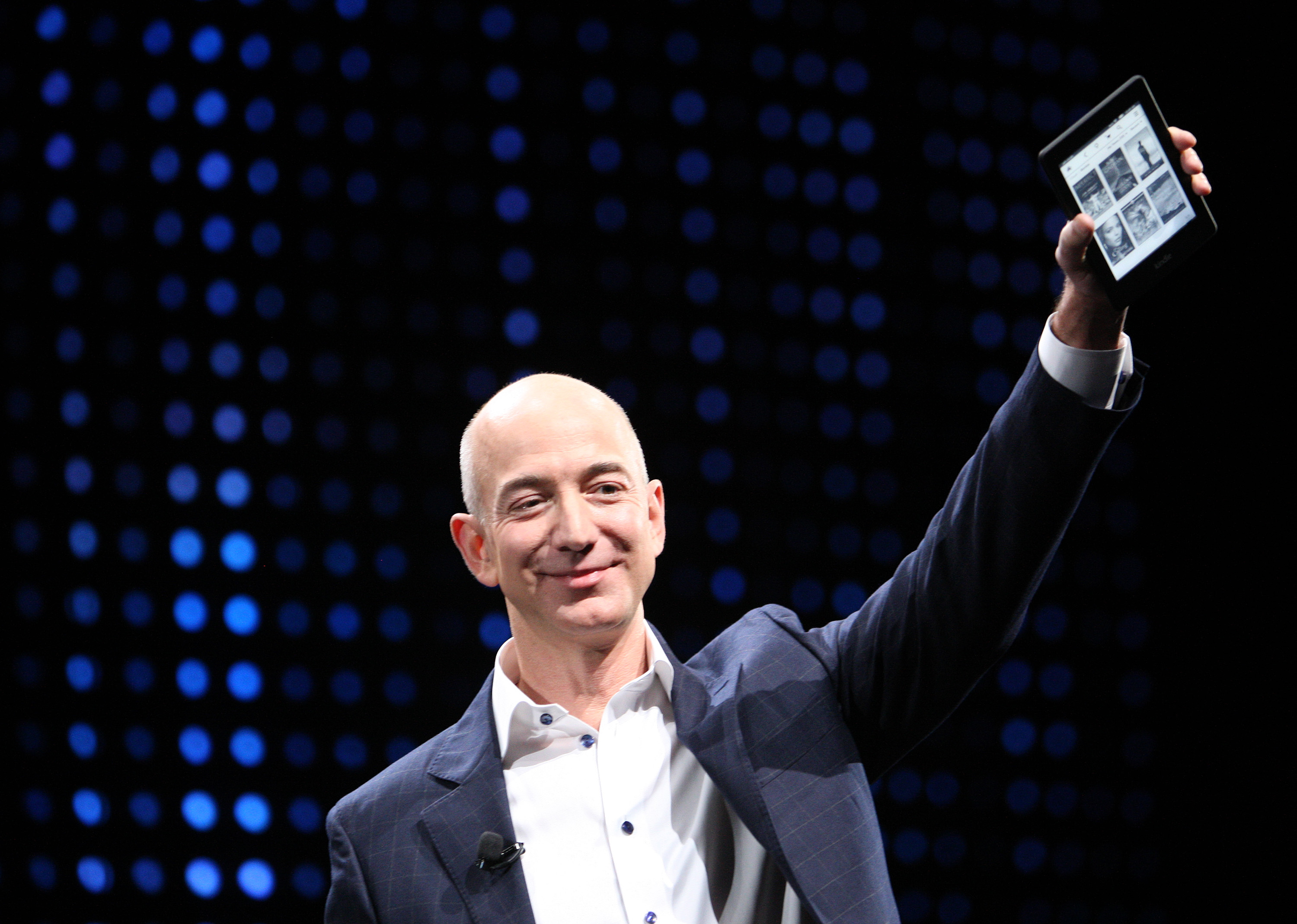 How Amazon innovates in ways that Google and Apple can't