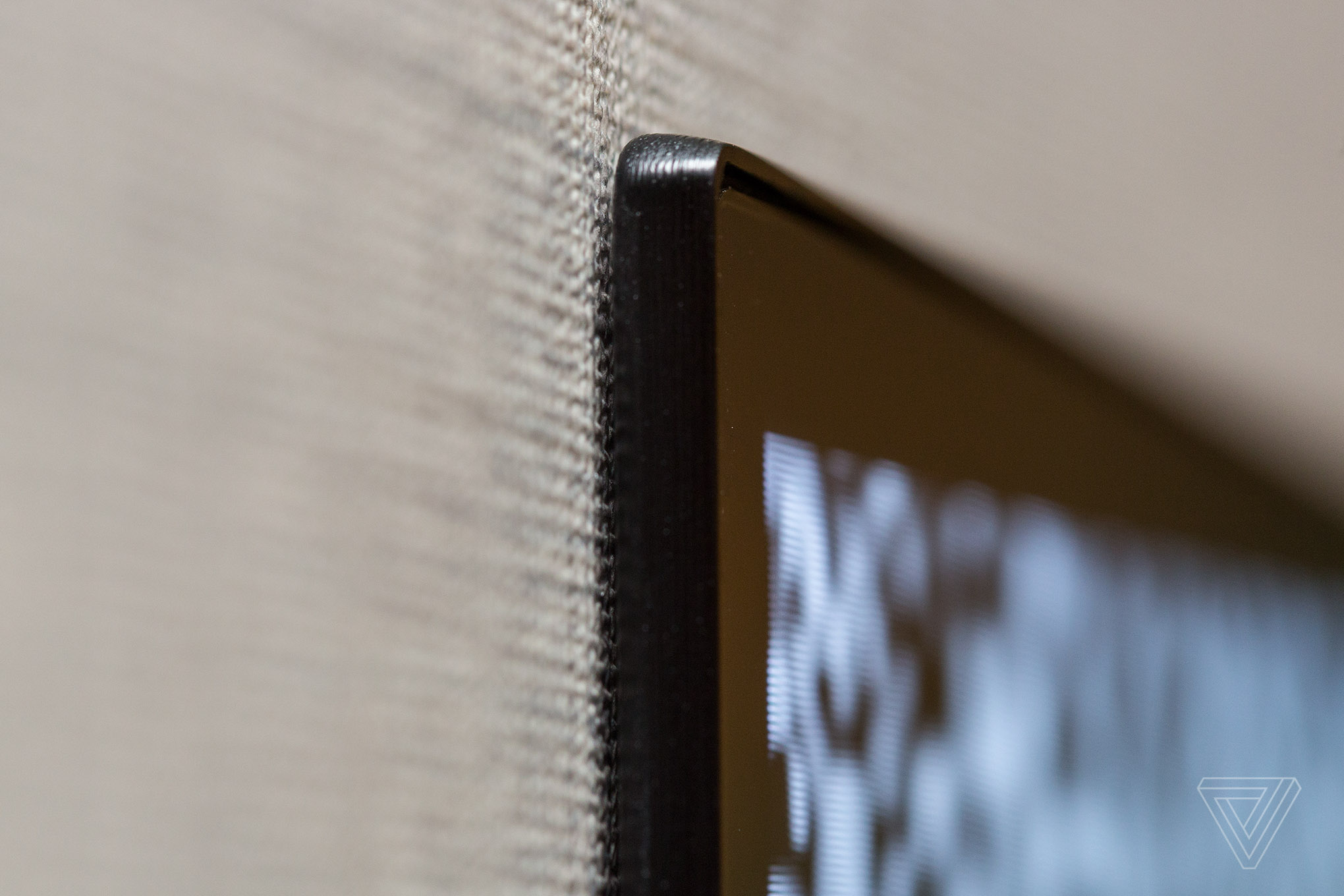 lg tv thin. separating the tv\u0027s brains from panel basically allows lg to make a dumb, lg tv thin