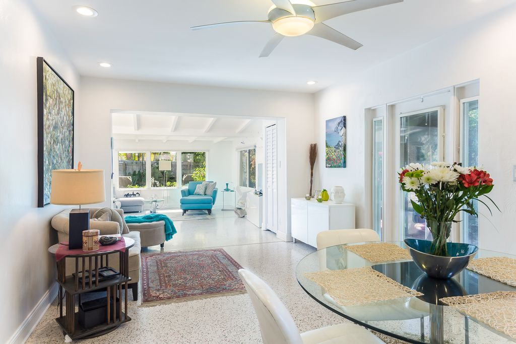 Charming 1950s Beach Bungalow With Pool Asks 449k Curbed