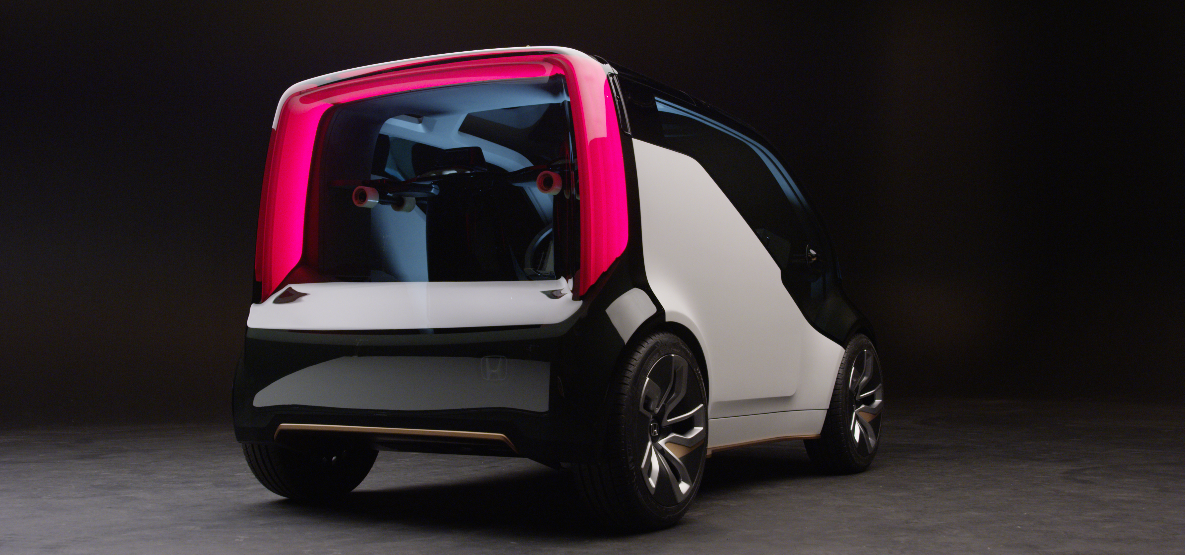 Honda unveils first electric ridesharing concept car  The Verge
