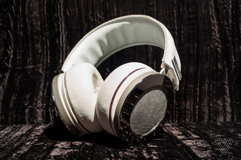 onkyo headphones. The King Of Bling: Hands On With Onkyo\u0027s $100,000 Diamond Headphones Onkyo -