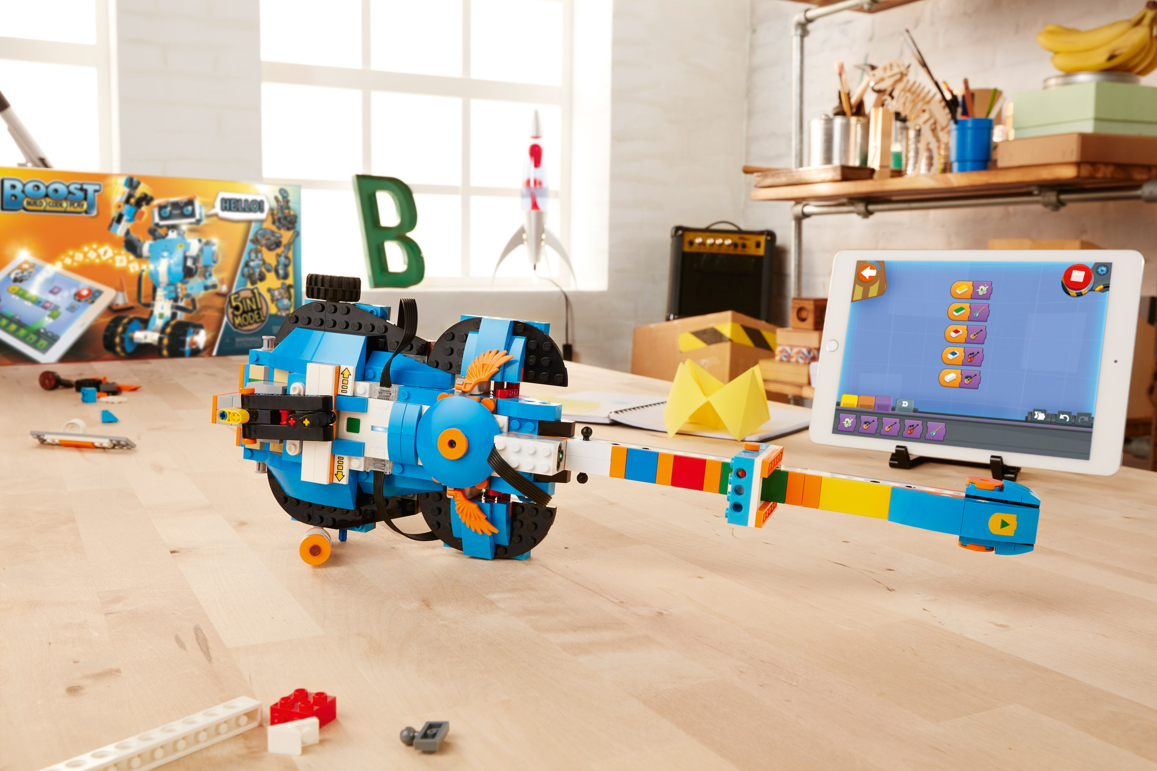 CES 2017: Lego announces robot-making toolkit for kids