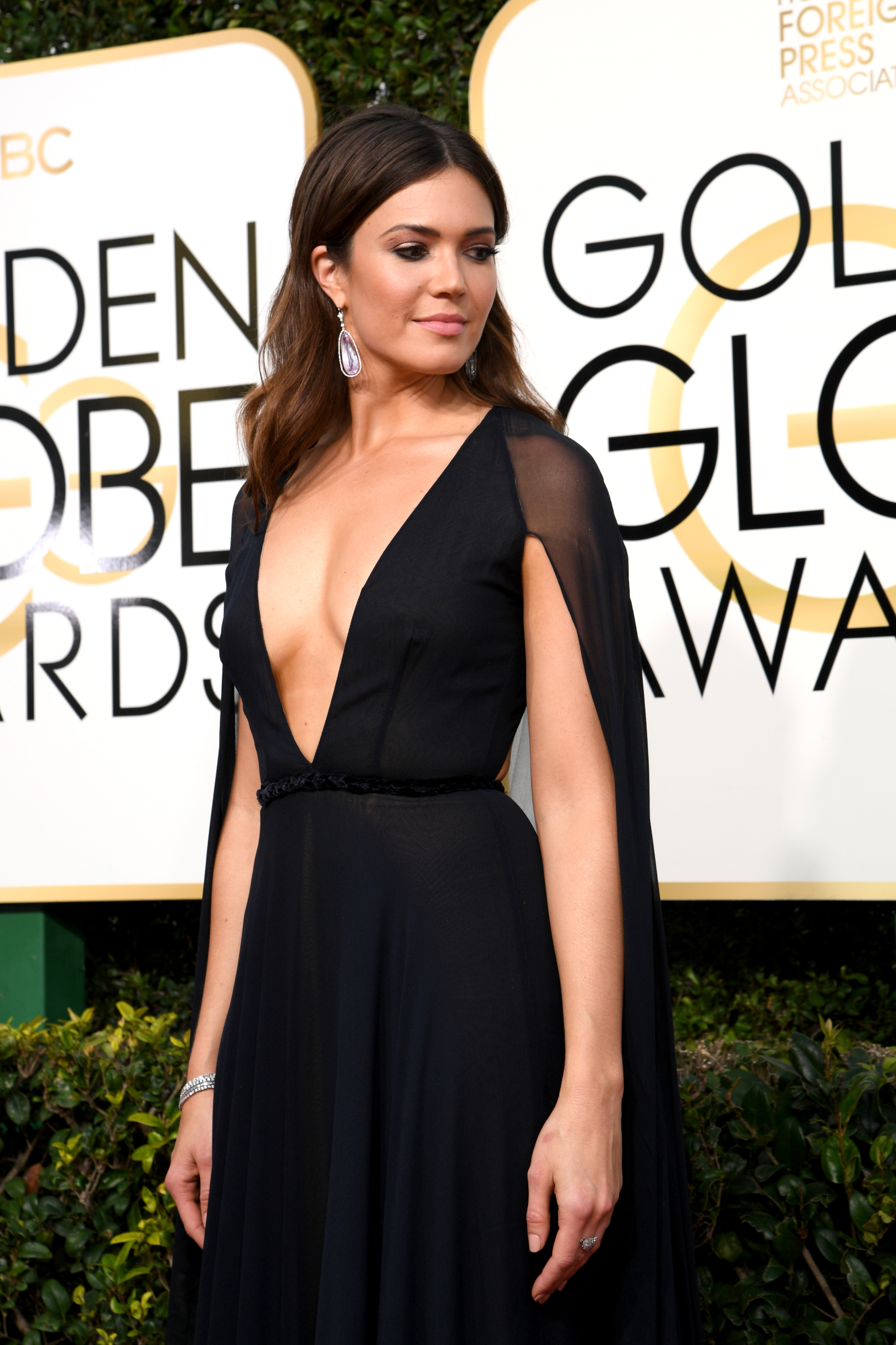 Mandy Moore Is Basically a Red Carpet Superhero - Racked