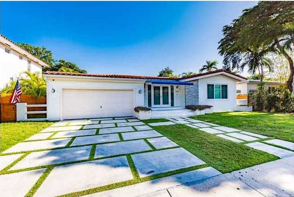 5 miami homes for under 1m curbed miami for Big houses in miami