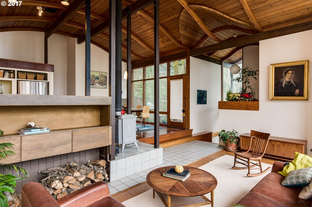 Dreamy midcentury home inspired by flight asks $480K