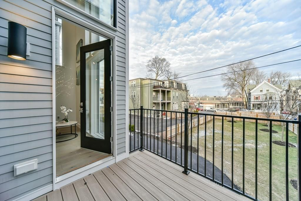 New Jamaica Plain townhouse includes 20-foot wall of glass