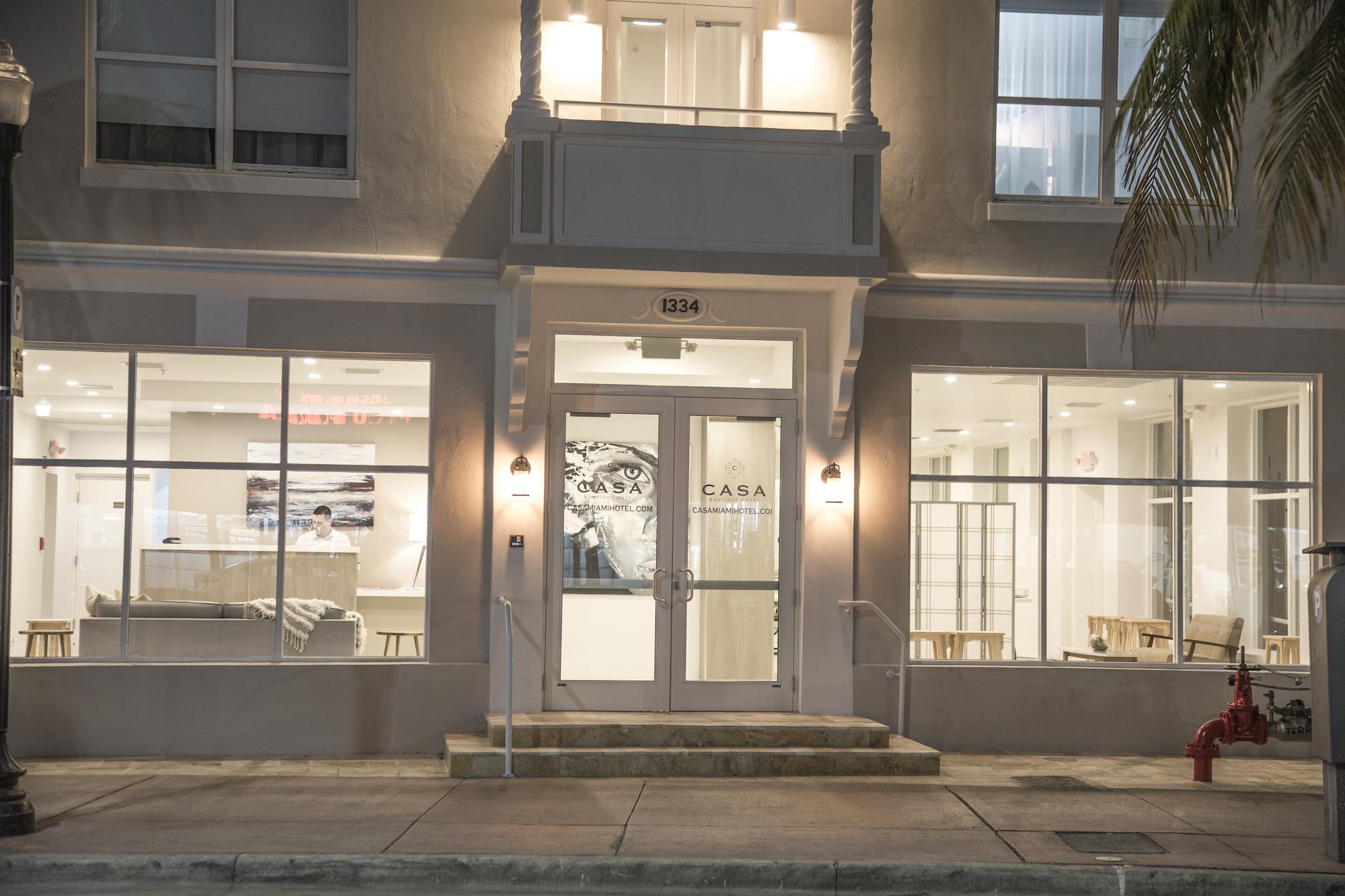 casa boutique hotel opens in miami beach curbed miami. Black Bedroom Furniture Sets. Home Design Ideas