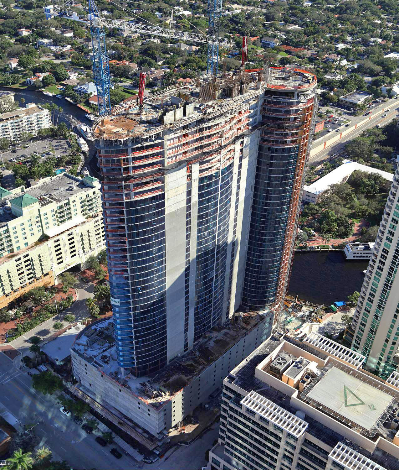 Icon Las Olas Tops Off As Fort Lauderdale S Tallest