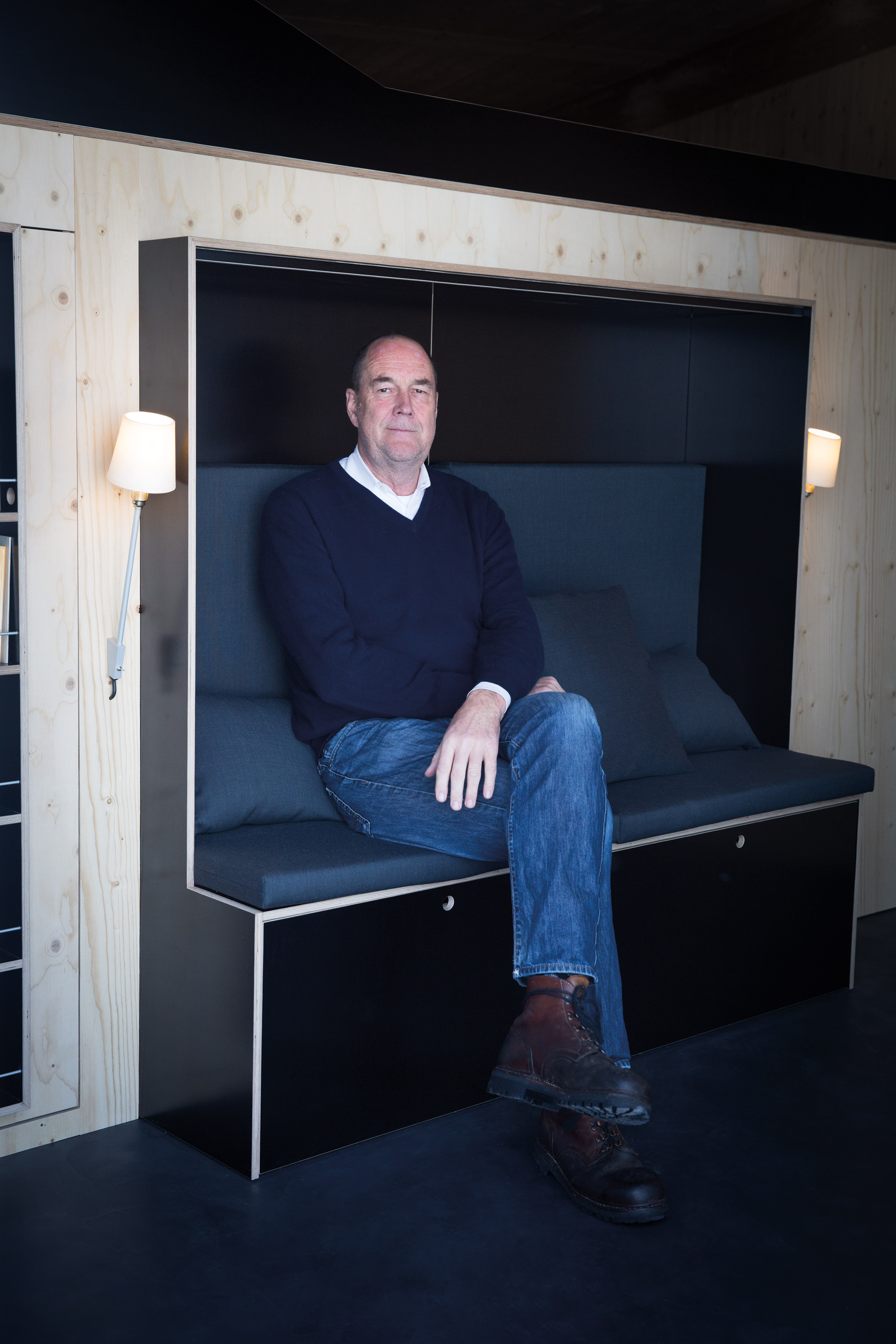 all in one furniture cube is perfect for micro apartments. Black Bedroom Furniture Sets. Home Design Ideas