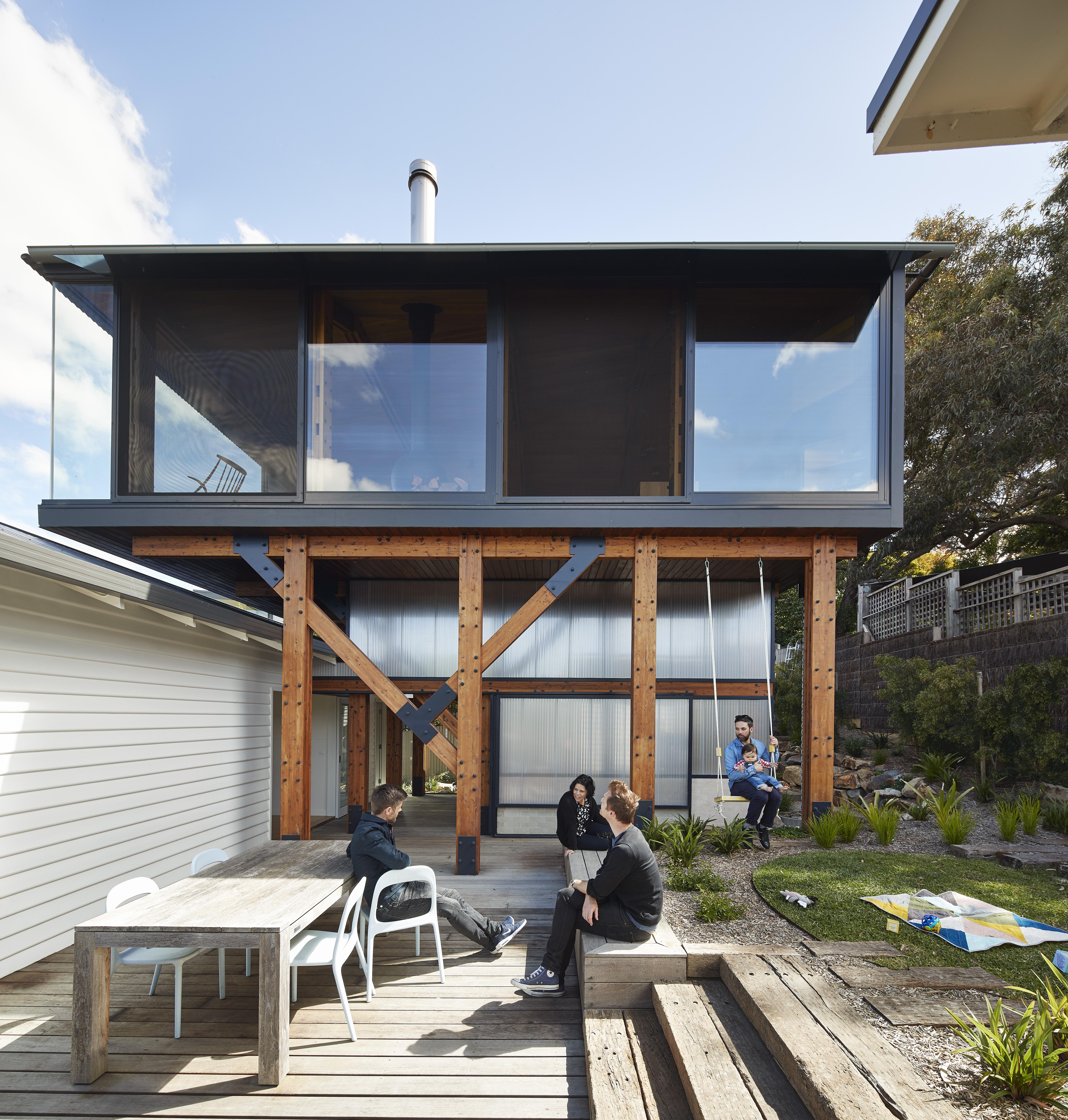 Beach shack remodel highlights incredible ocean views
