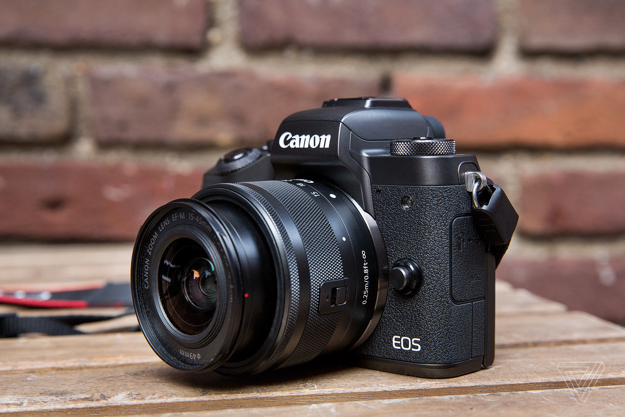 Canon m5 review the best mirrorless camera of four years for Camera camera