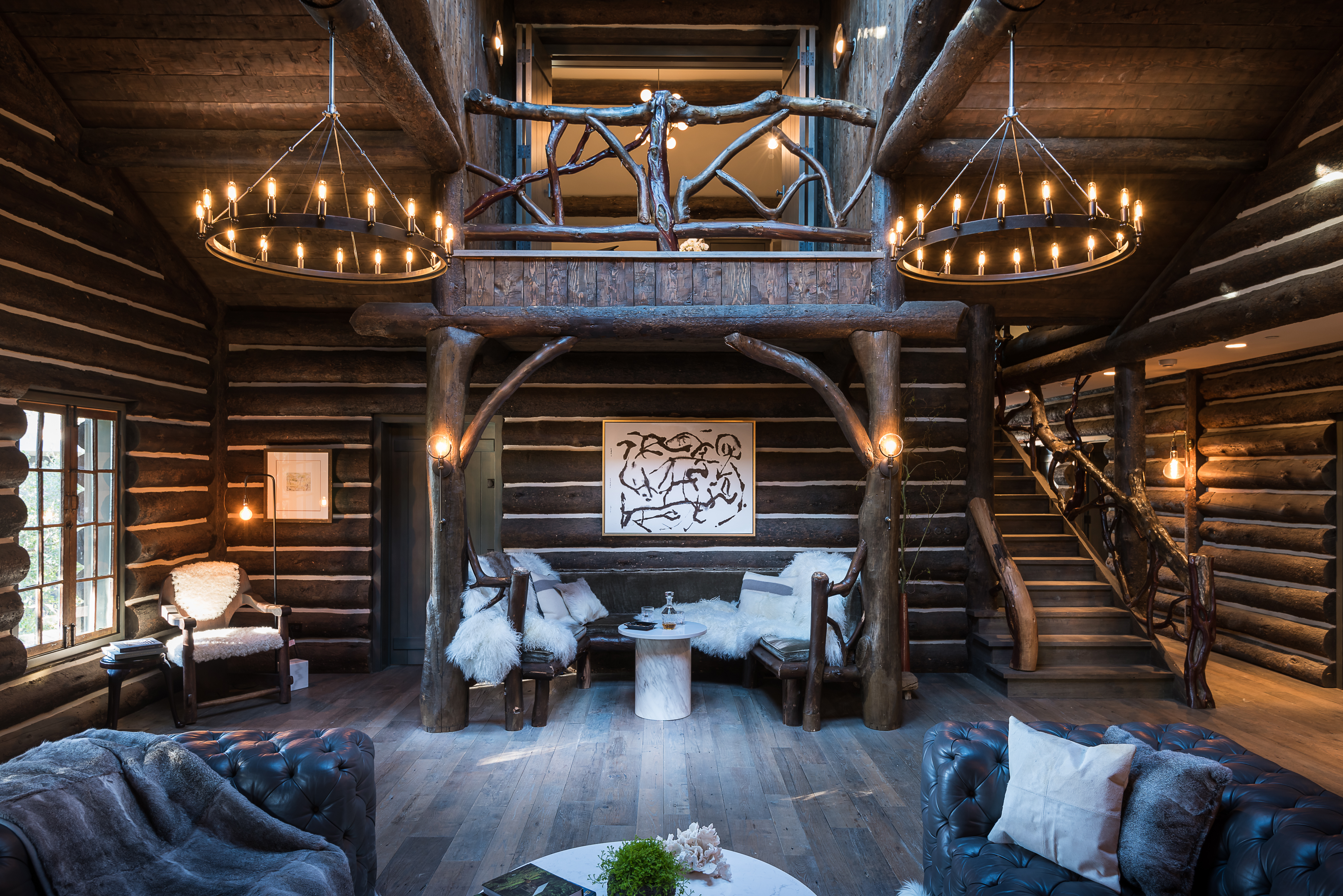 Luxurious rustic canyon log cabin with wild past lists for for Extravagant log homes