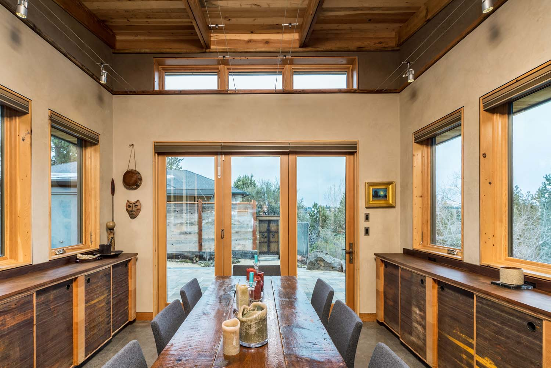 Architect Al Tozer Designed The Home To Take Advantage Of Bend Oregon S Extensive Sunlight Tozer Design
