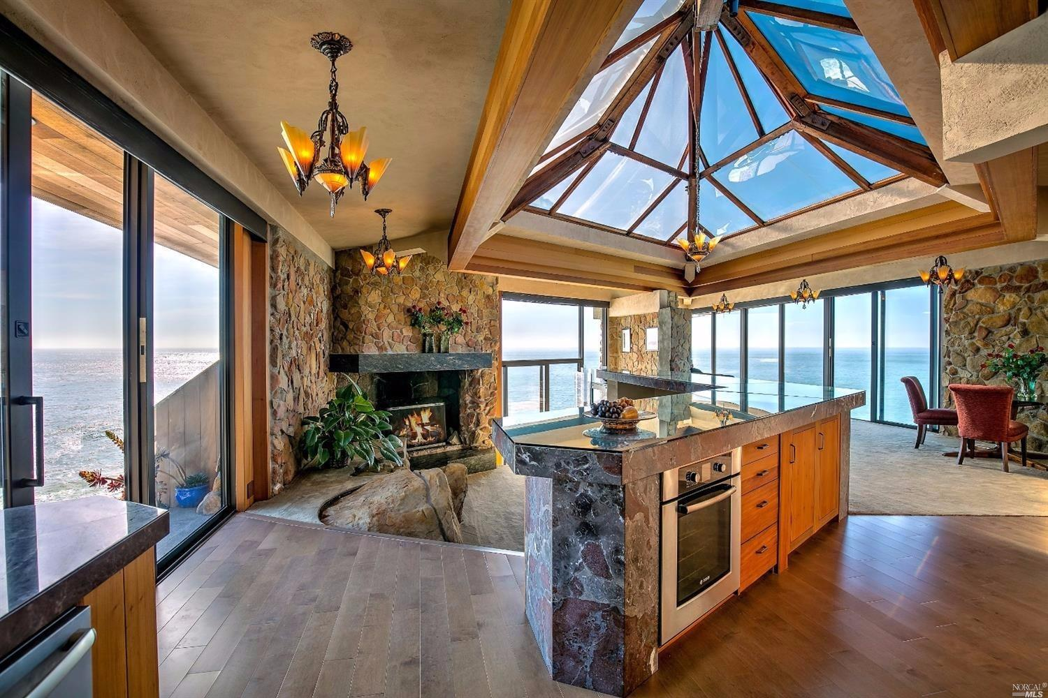 Incredible House On A Cliff By The Pacific Ocean Asks 3