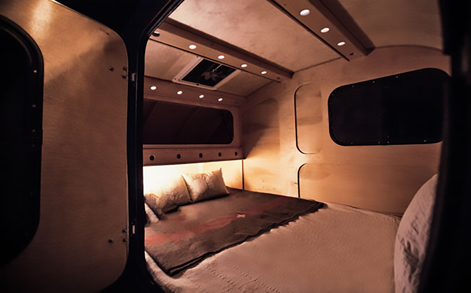 Handcrafted Trailer Takes Vintage Design On The Road Curbed