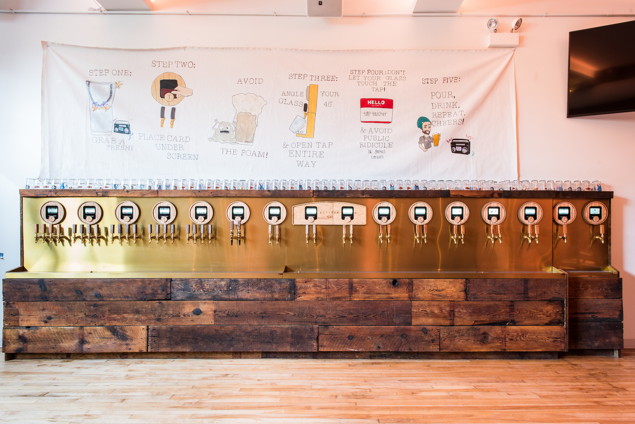Inside Chicago S First Pour All Your Own Beer Bar Tapster