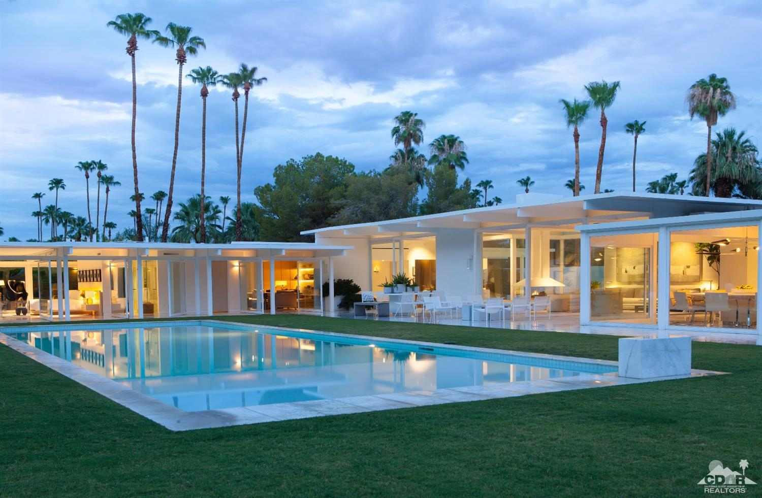 Palm springs midcentury stunner with ties to hollywood for New mid century modern homes palm springs