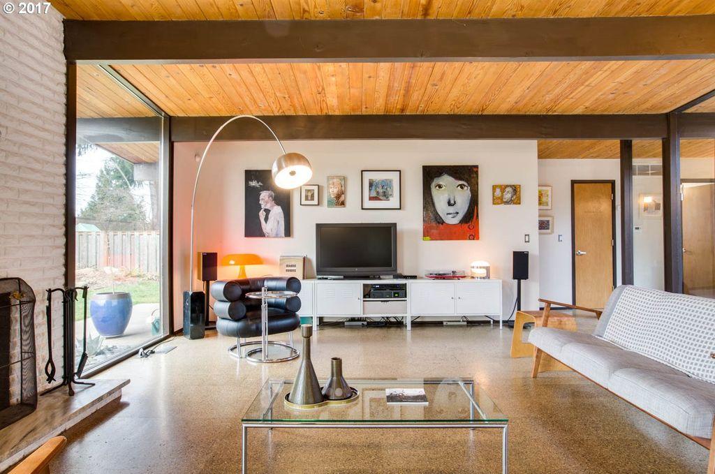 Classic 1960s home with sunny atrium asks $570K