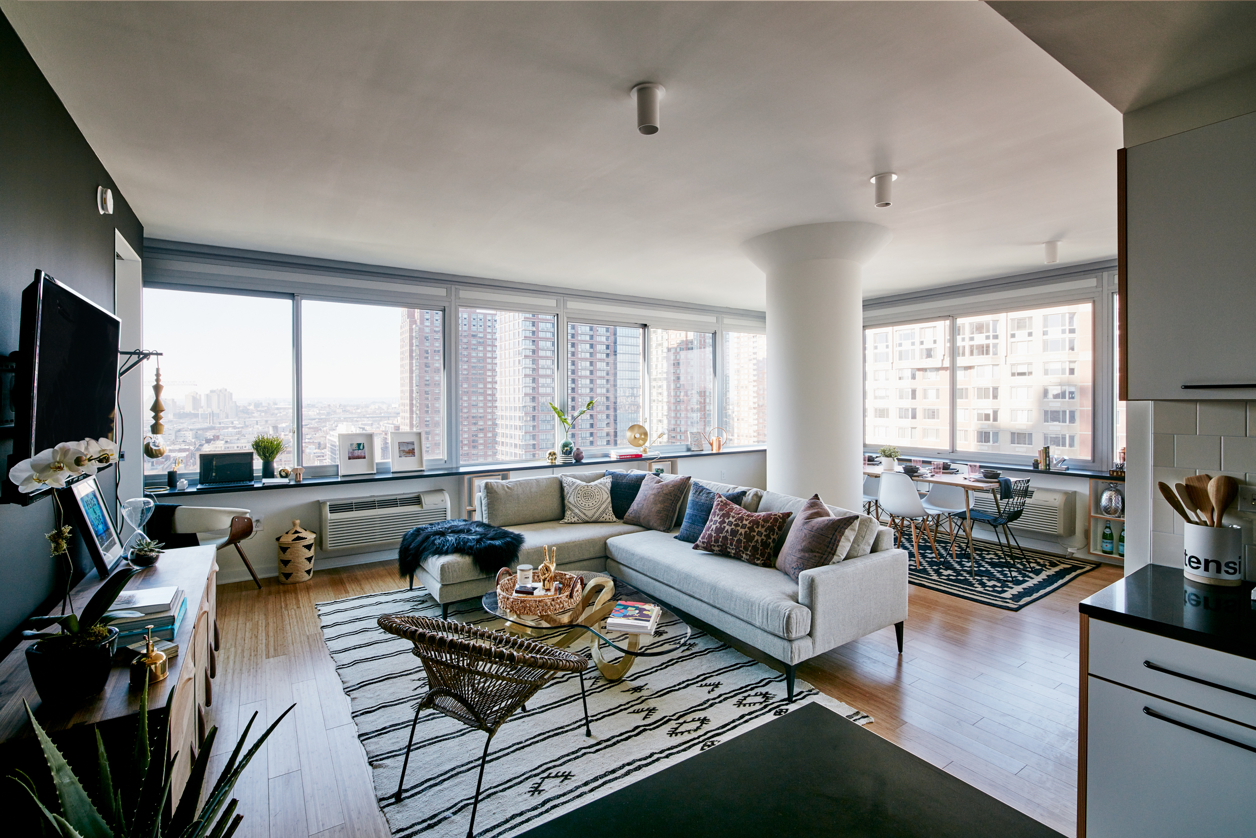 Rentals At Urby S Jersey City Skyscraper Hit The Market From