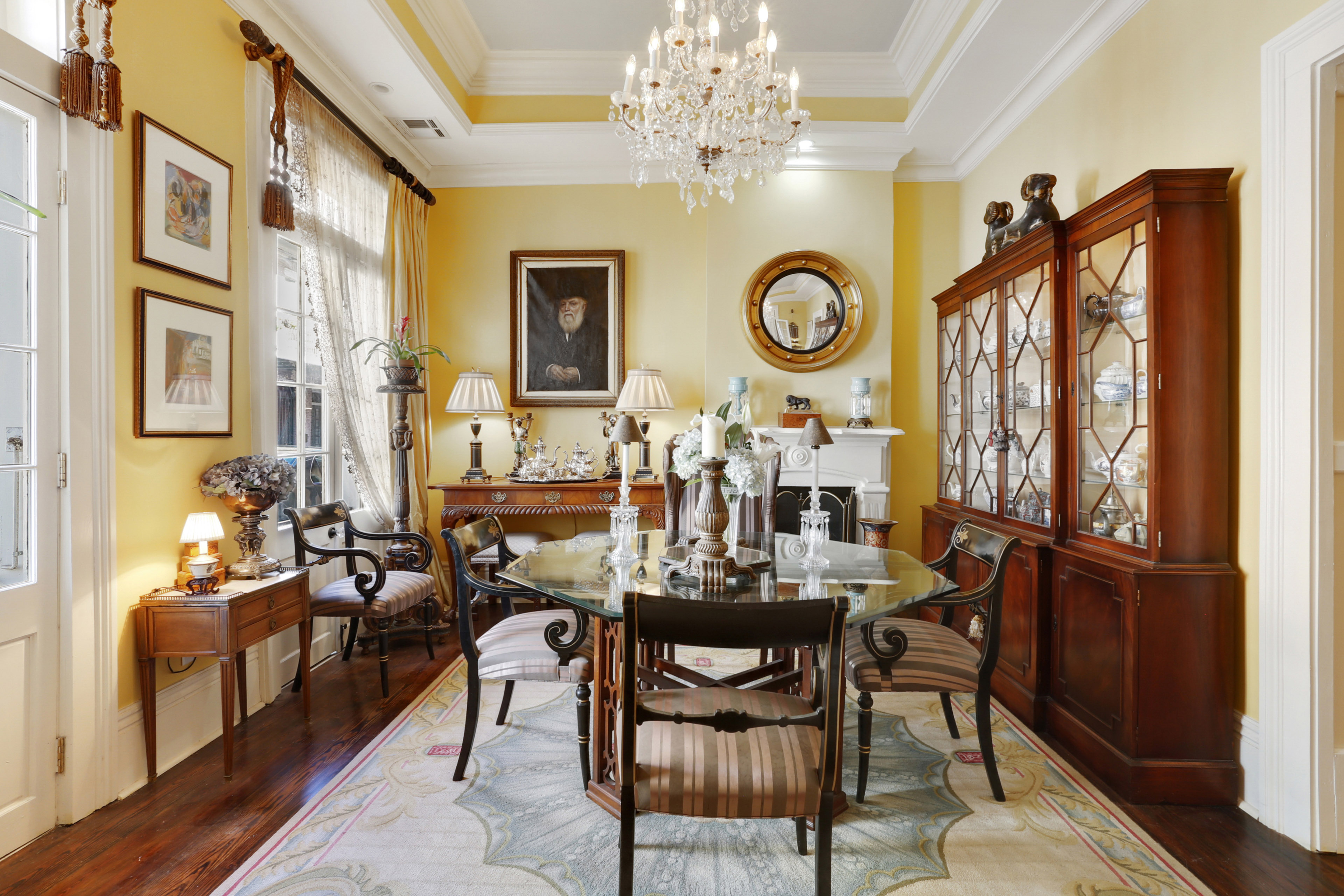 spacious french quarter townhouse asks 1 4m curbed new orleans inside the home has soaring 12 foot ceilings and dark wood floors installed throughout the home the total living space is 2 572 which encompasses the
