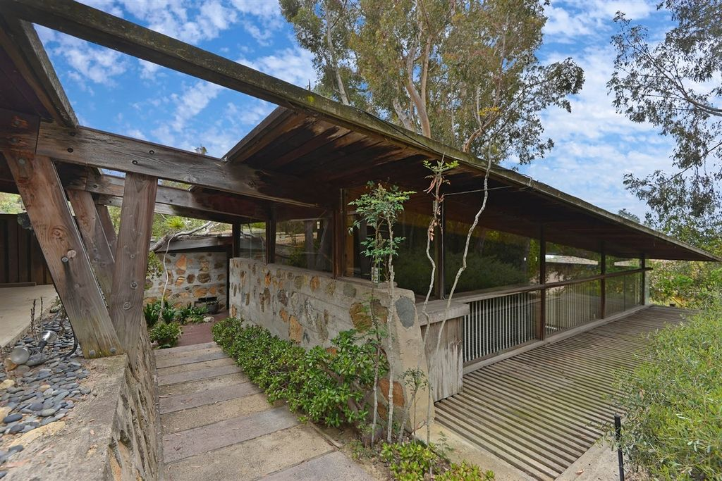 3 groovy san diego midcentury homes to snag curbed for Modern homes san diego