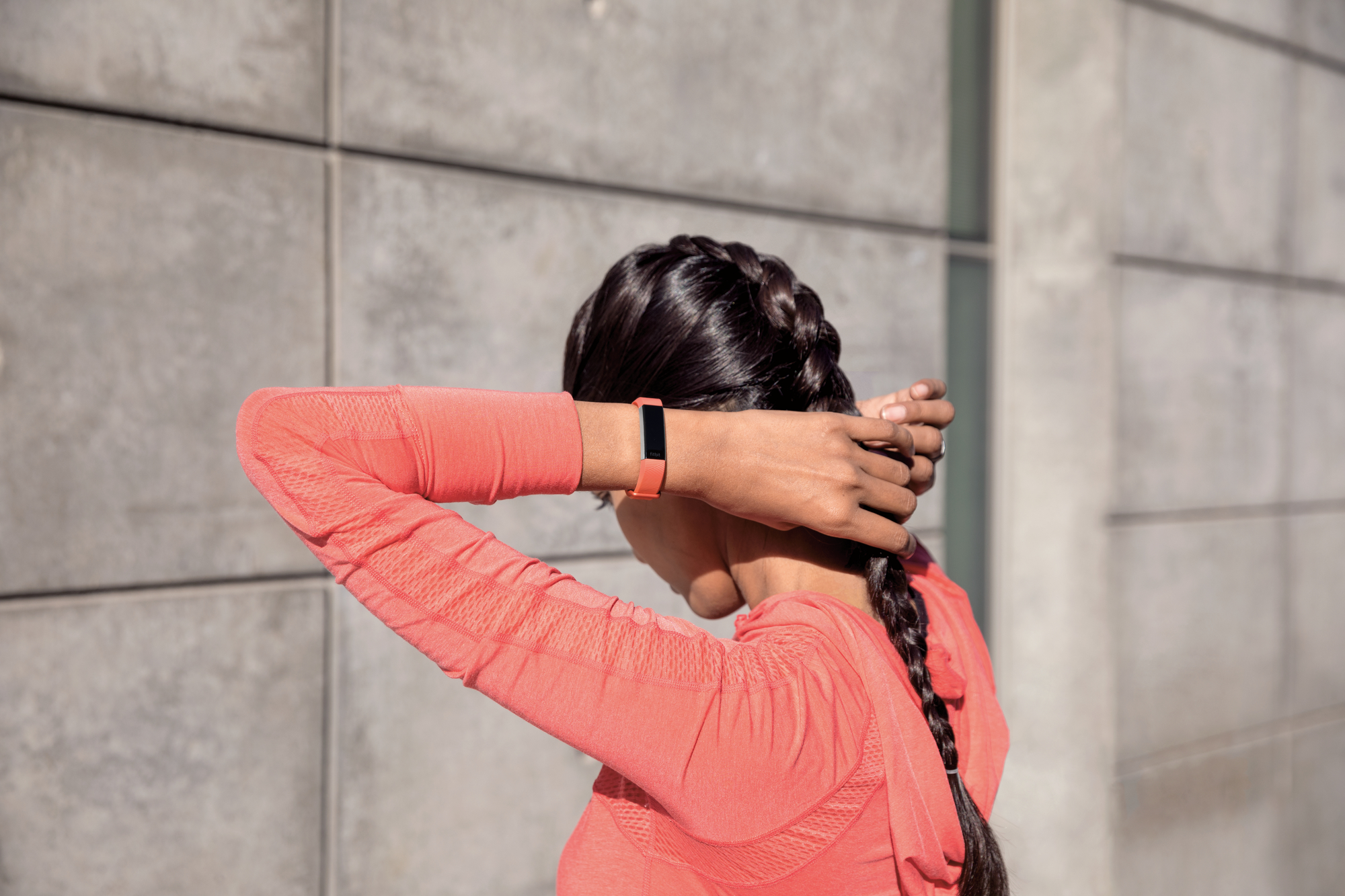 fitbit 39 s new alta hr activity tracker brings a heart rate monitoring update to the original. Black Bedroom Furniture Sets. Home Design Ideas