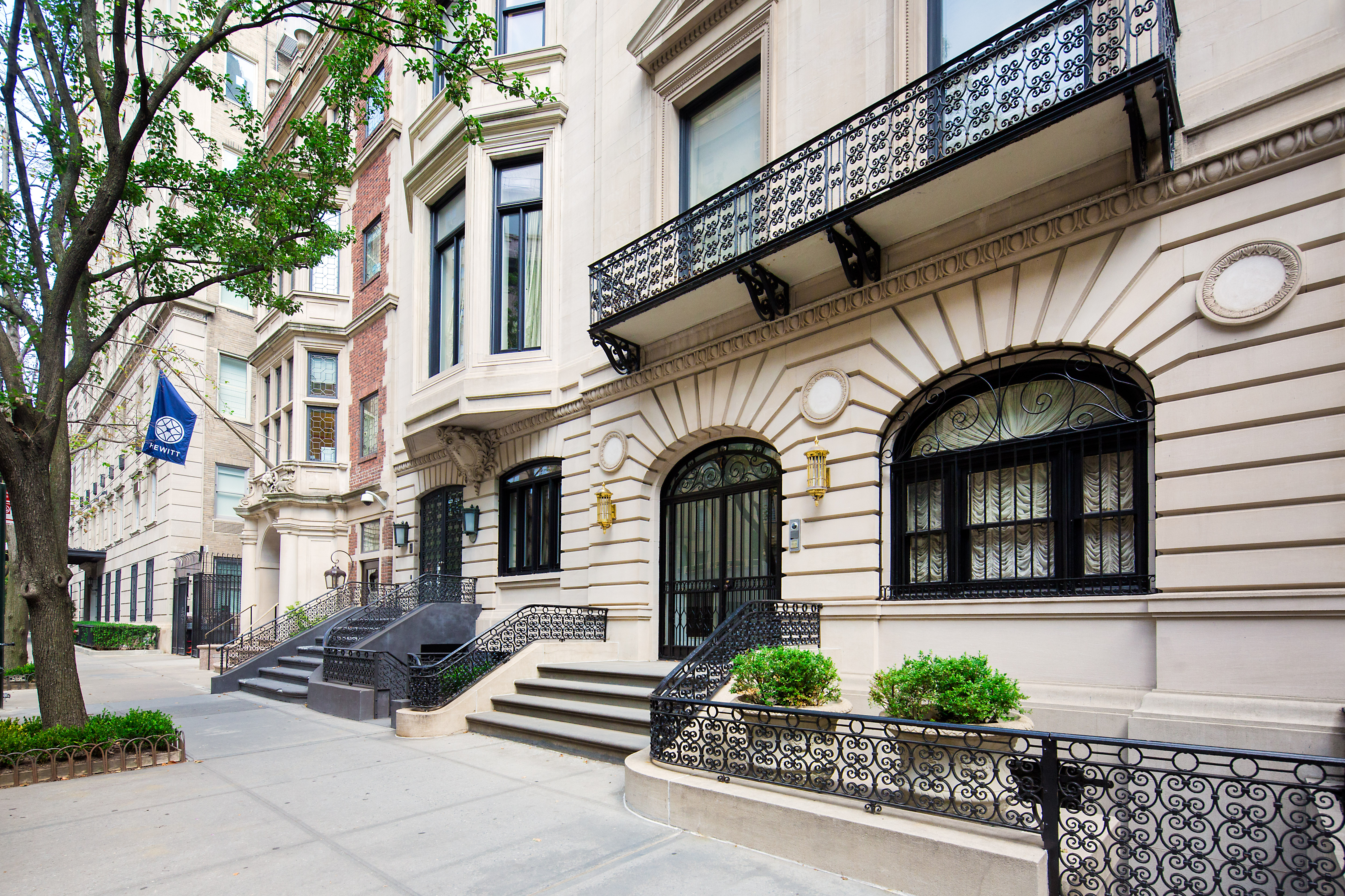 Opulent upper east side townhouse with secret tunnels for Townhomes for sale in nyc
