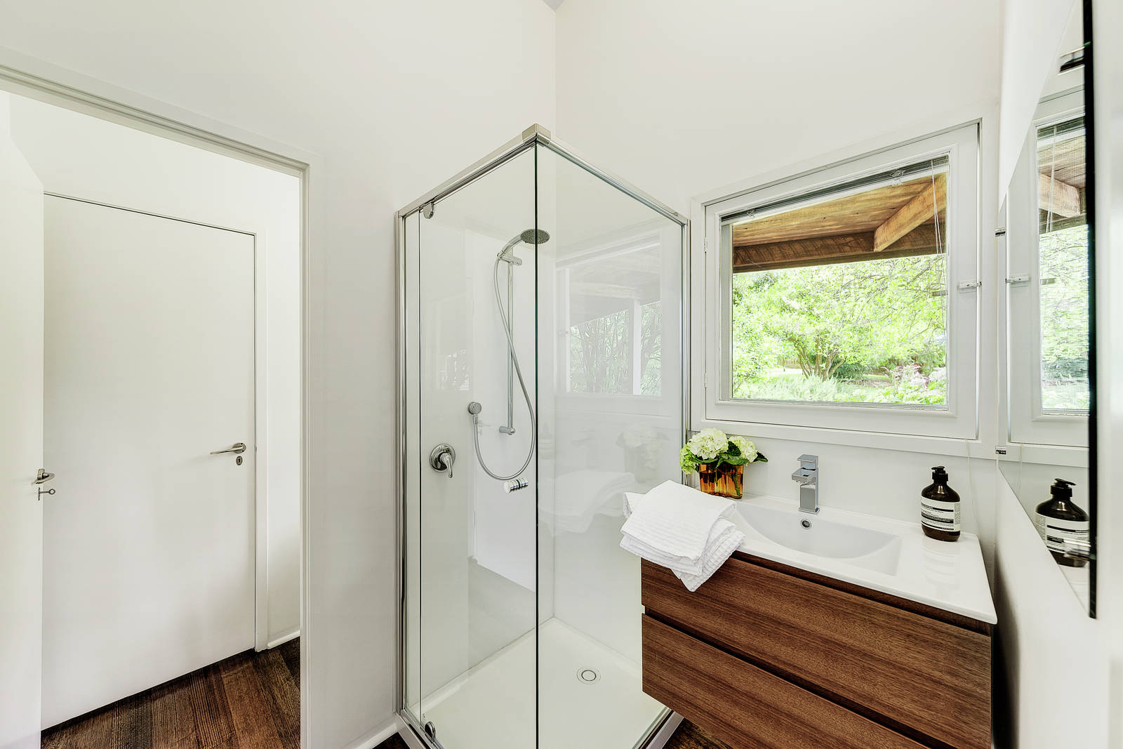 Via  The Design FilesRobin Boyd designed midcentury gem heads to auction near Melbourne  . Bathroom And Kitchen Auctions Melbourne. Home Design Ideas
