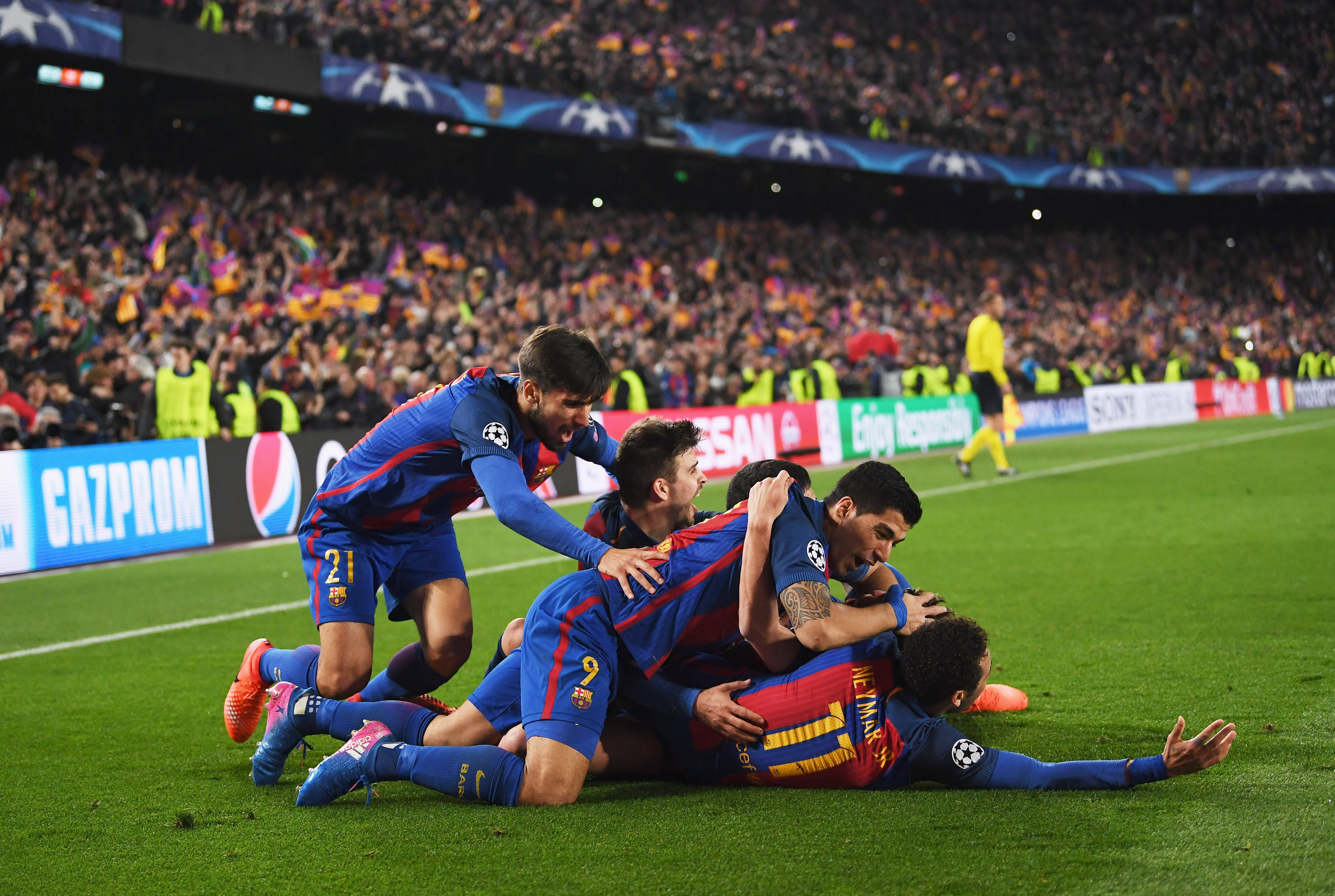 6 incredible photos from Barcelona's comeback win against ...