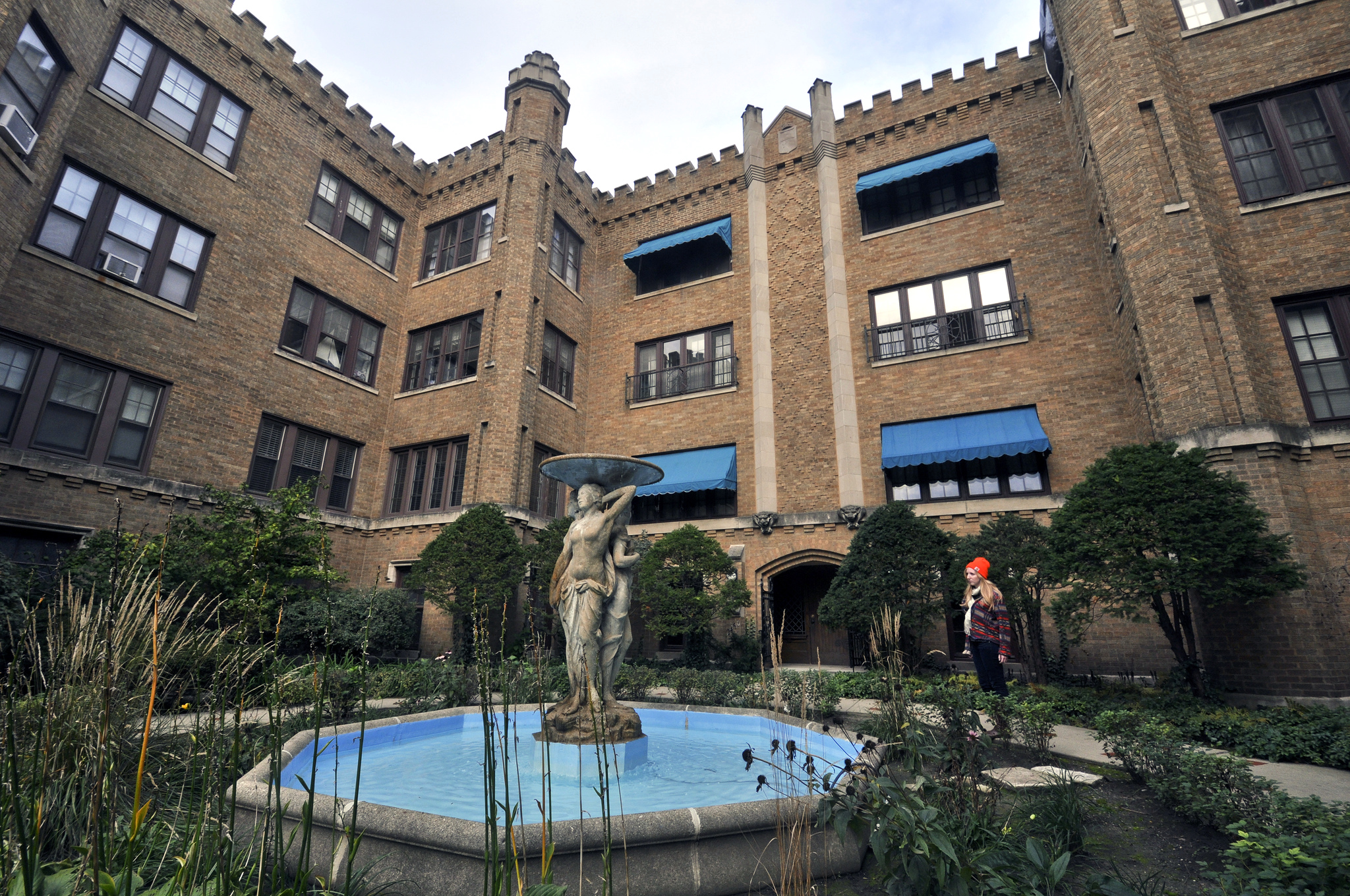 Apartment Building Courtyard understanding chicago's vernacular architecture - curbed chicago