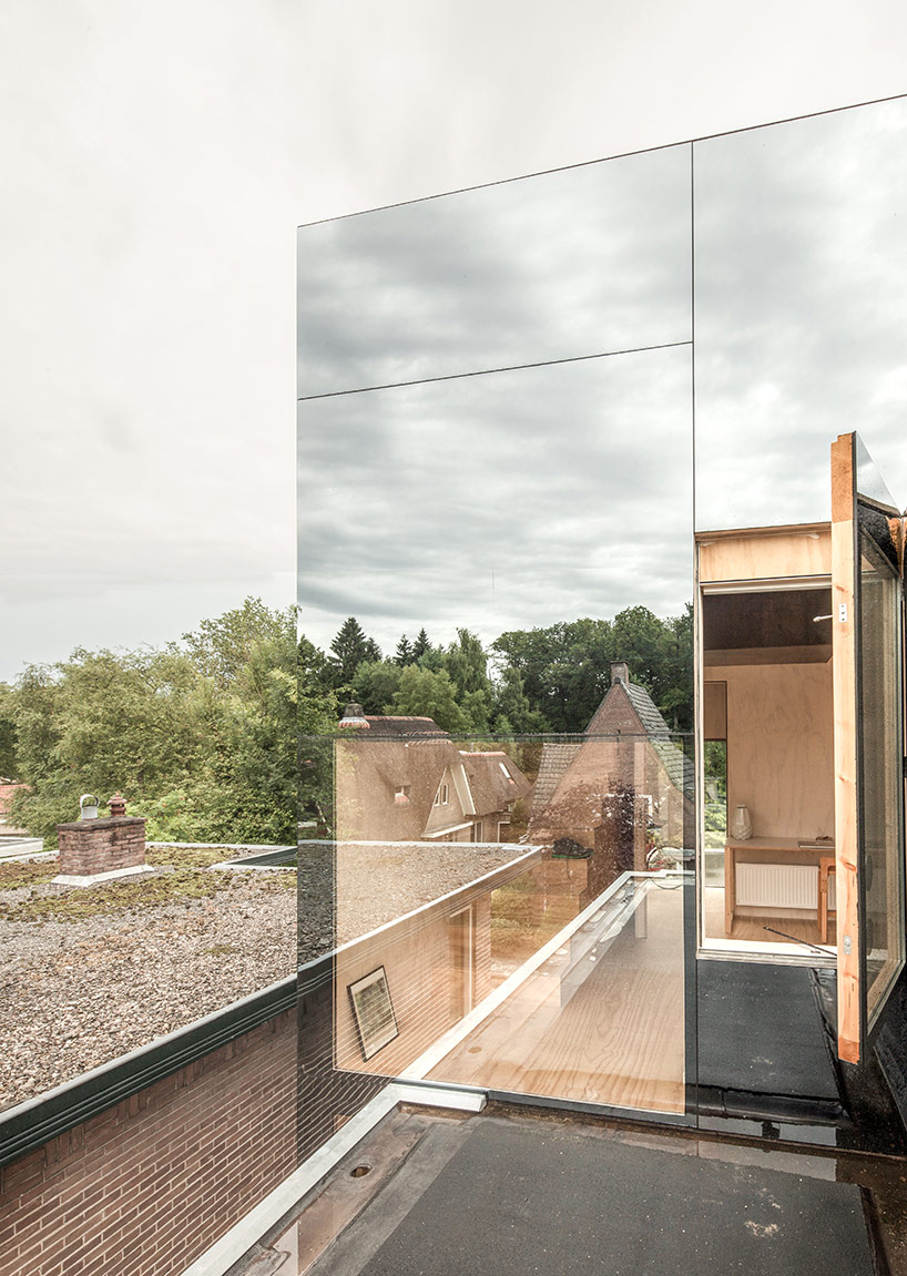 Tiny home on a roof serves 'treehouse' vibes