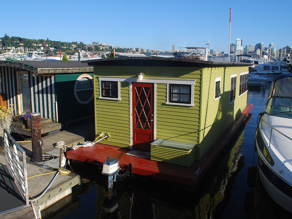 Houseboats In Seattle Seattle Short Term Tiny Houseboat Rentals For Testing Out A Life