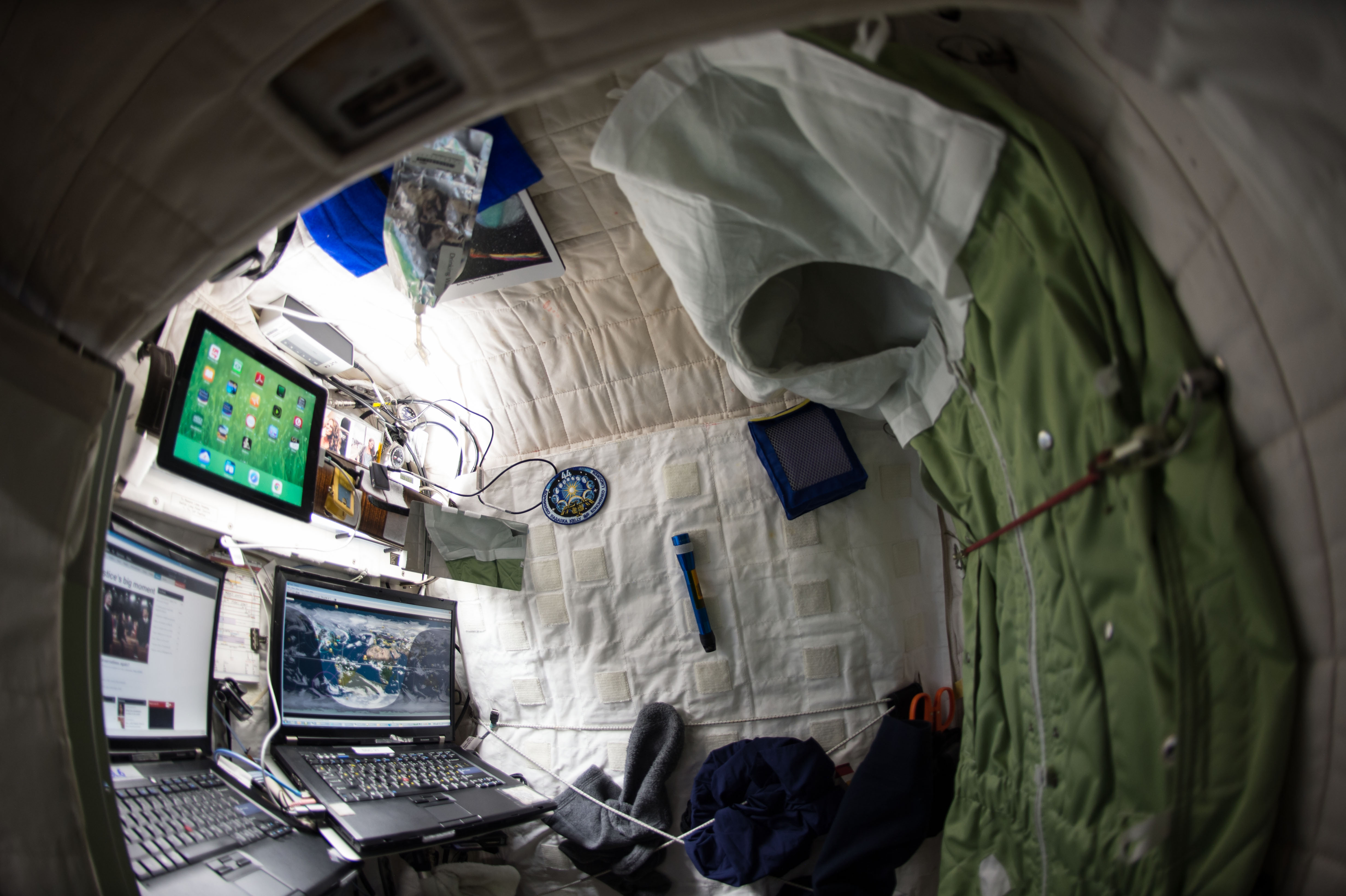 Time travel may be possible after scientists successfully send light - Scott Kelly S Living Quarters On The Iss In 2015 Photo Nasa