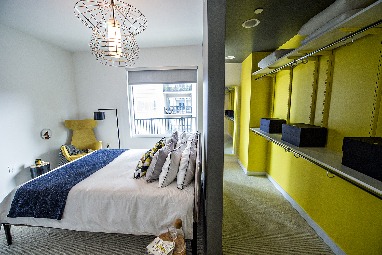 Inside Midtown Atlanta S Lavish Yoo On The Park Apartment