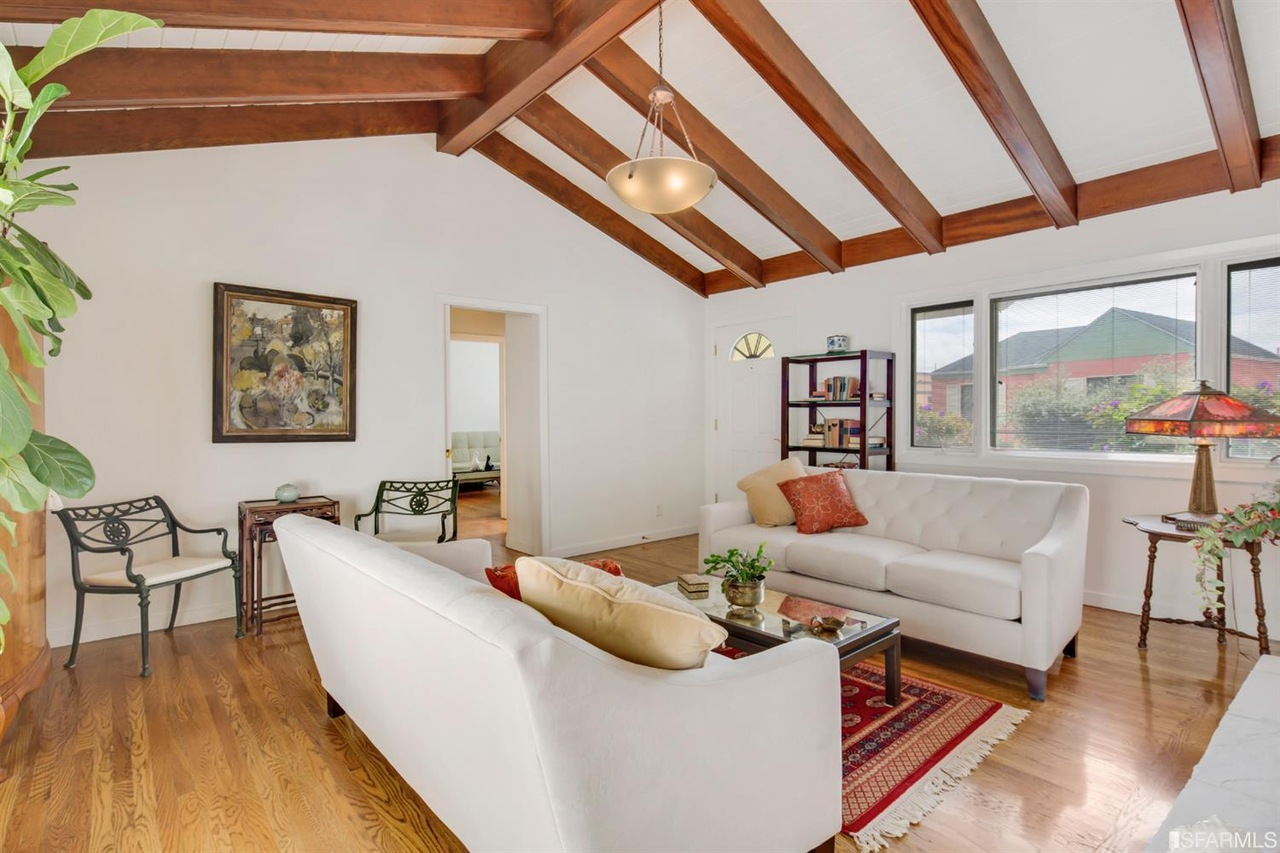 ranch style home in the middle of san francisco will give you coming in at two beds one bath and a tight 967 square feet all that s missing to make this abode fit for suburbia is a large green backyard